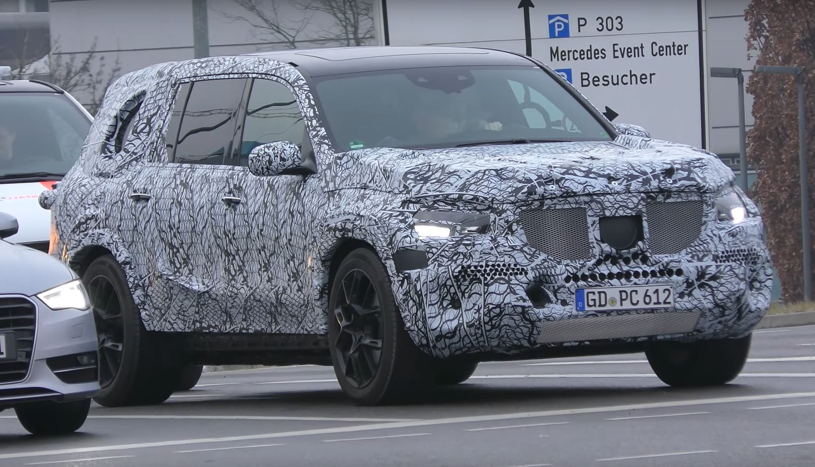 2019 Mercedes Benz Gls Class Spied With Strange Alloy