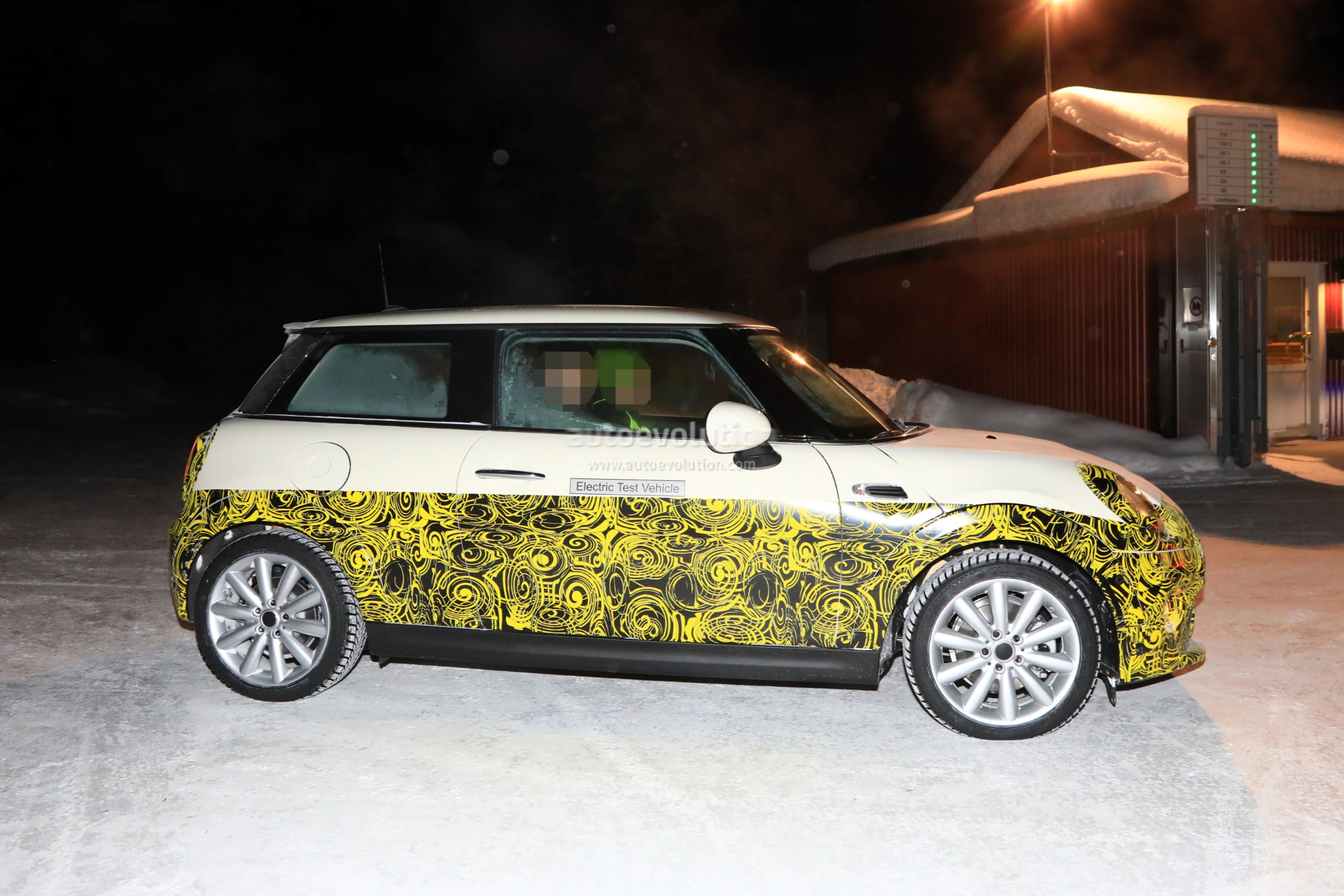 2019 mini cooper e electric vehicle spied testing at 30. Black Bedroom Furniture Sets. Home Design Ideas