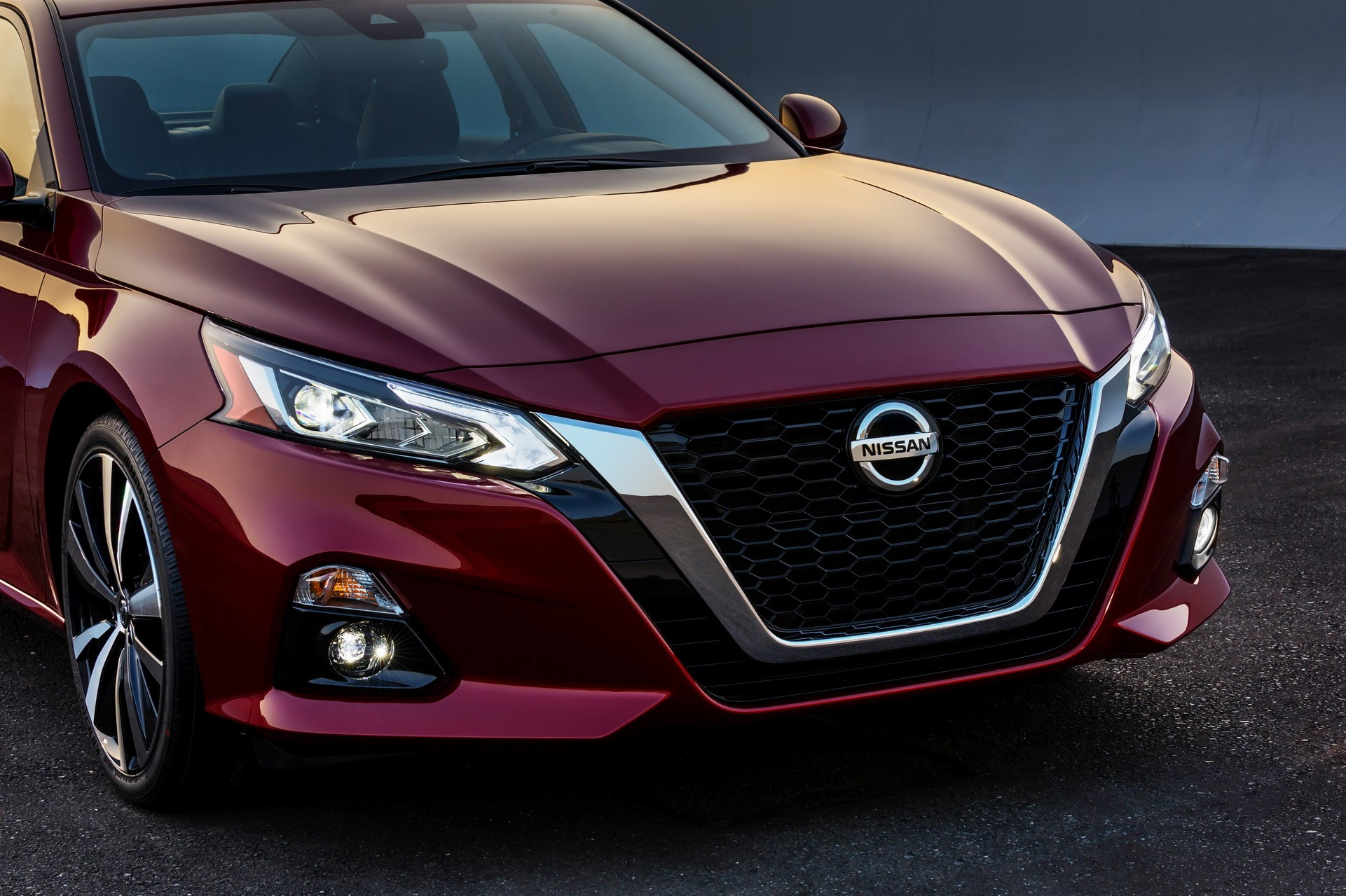 2019 Nissan Altima Debuts in New York With 2-Liter Turbo and AWD - autoevolution