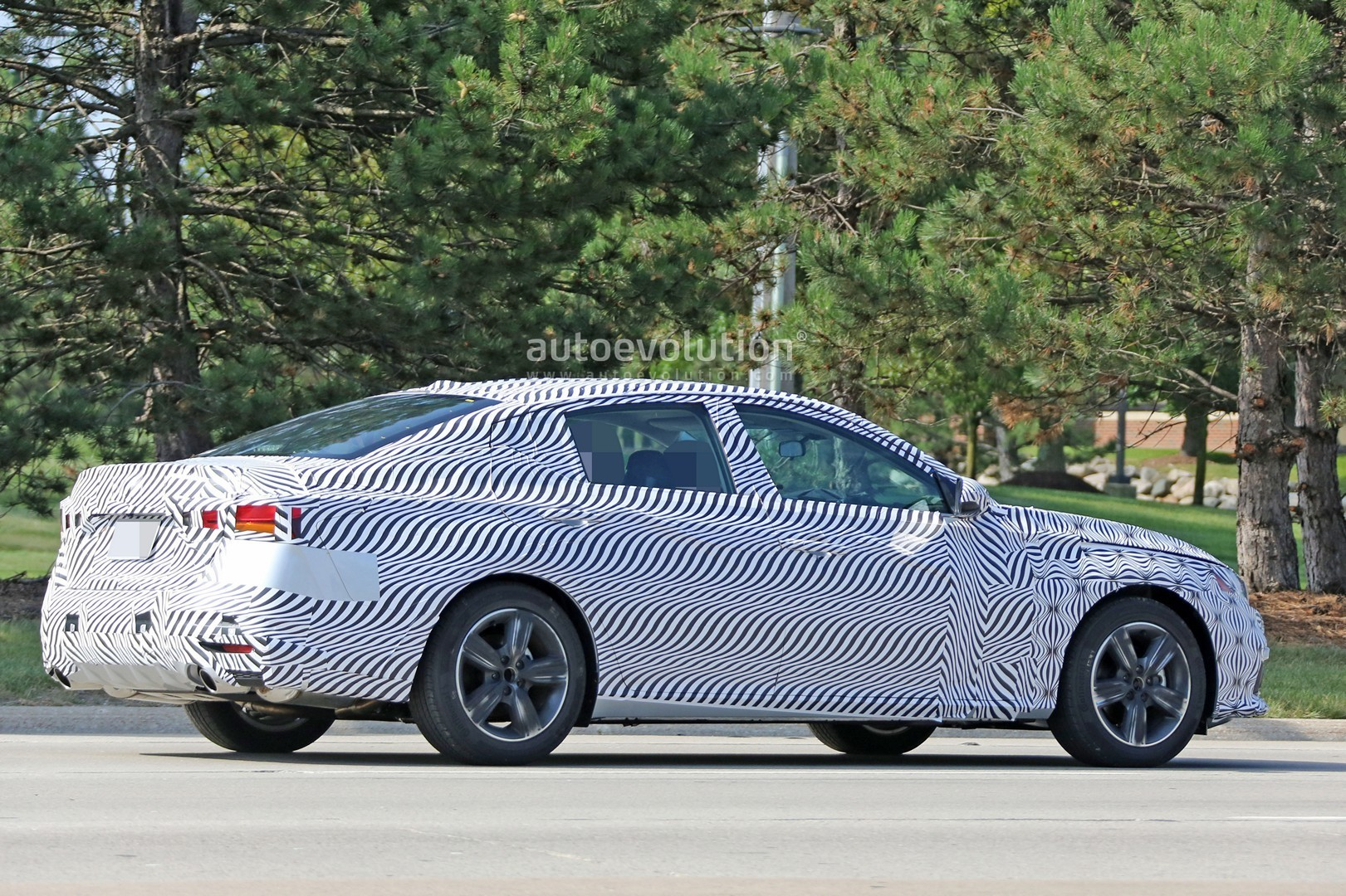 Spyshots 2019 nissan altima shows interior model targets the accord and camry autoevolution