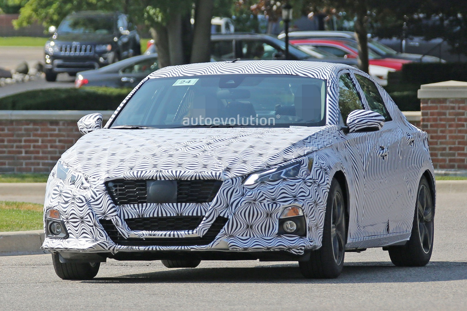 Spyshots: 2019 Nissan Altima Shows Interior, Model Targets ...