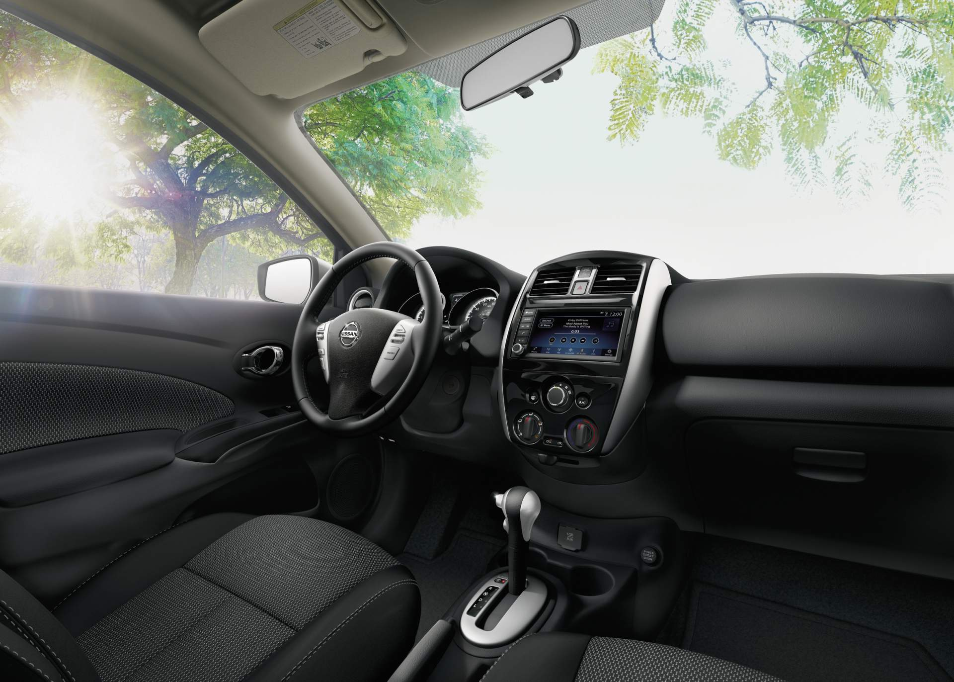 2019 nissan versa note priced from 15 650 autoevolution for Nissan versa note interior dimensions