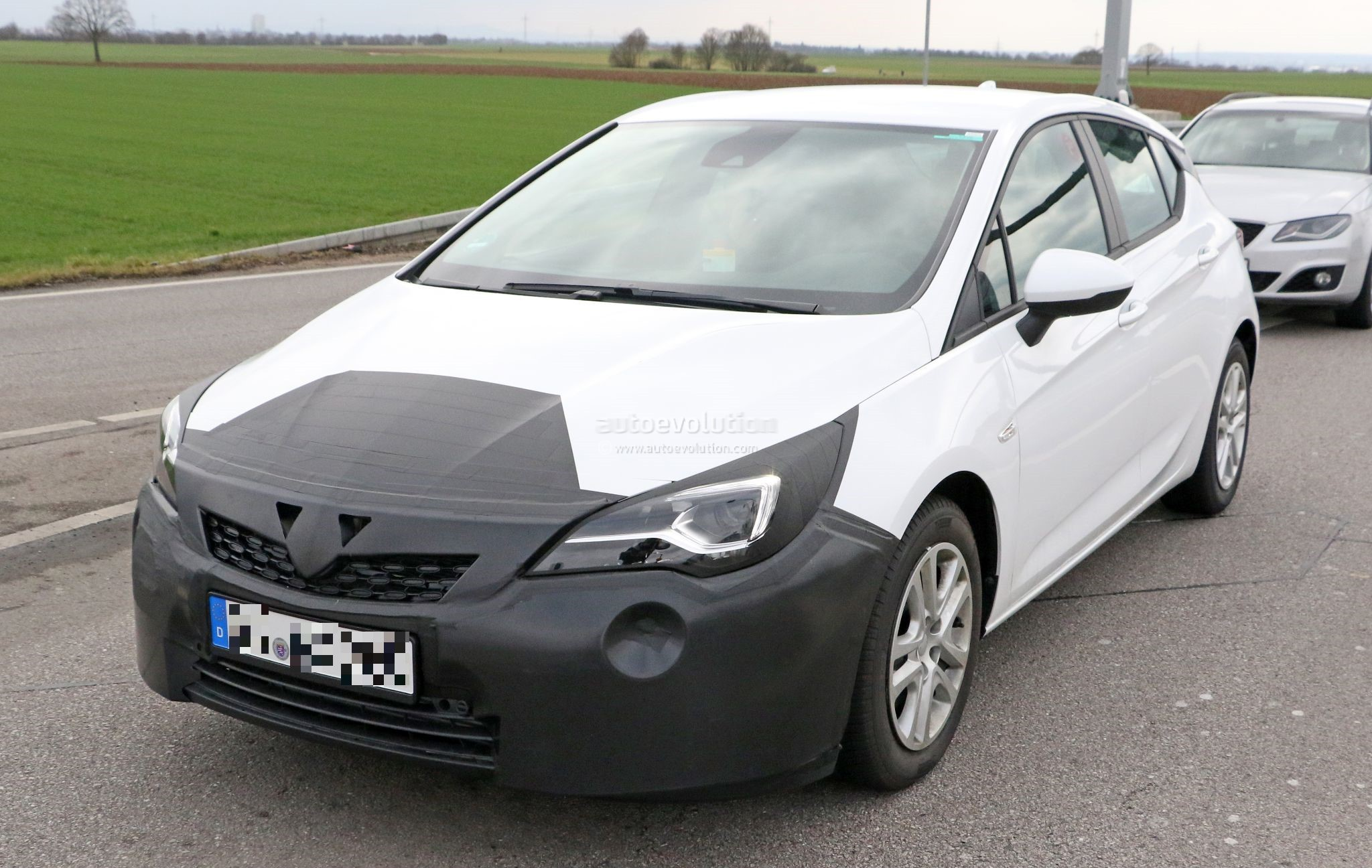 Spyshots: 2019 Opel Astra Facelift Testing In Germany ...