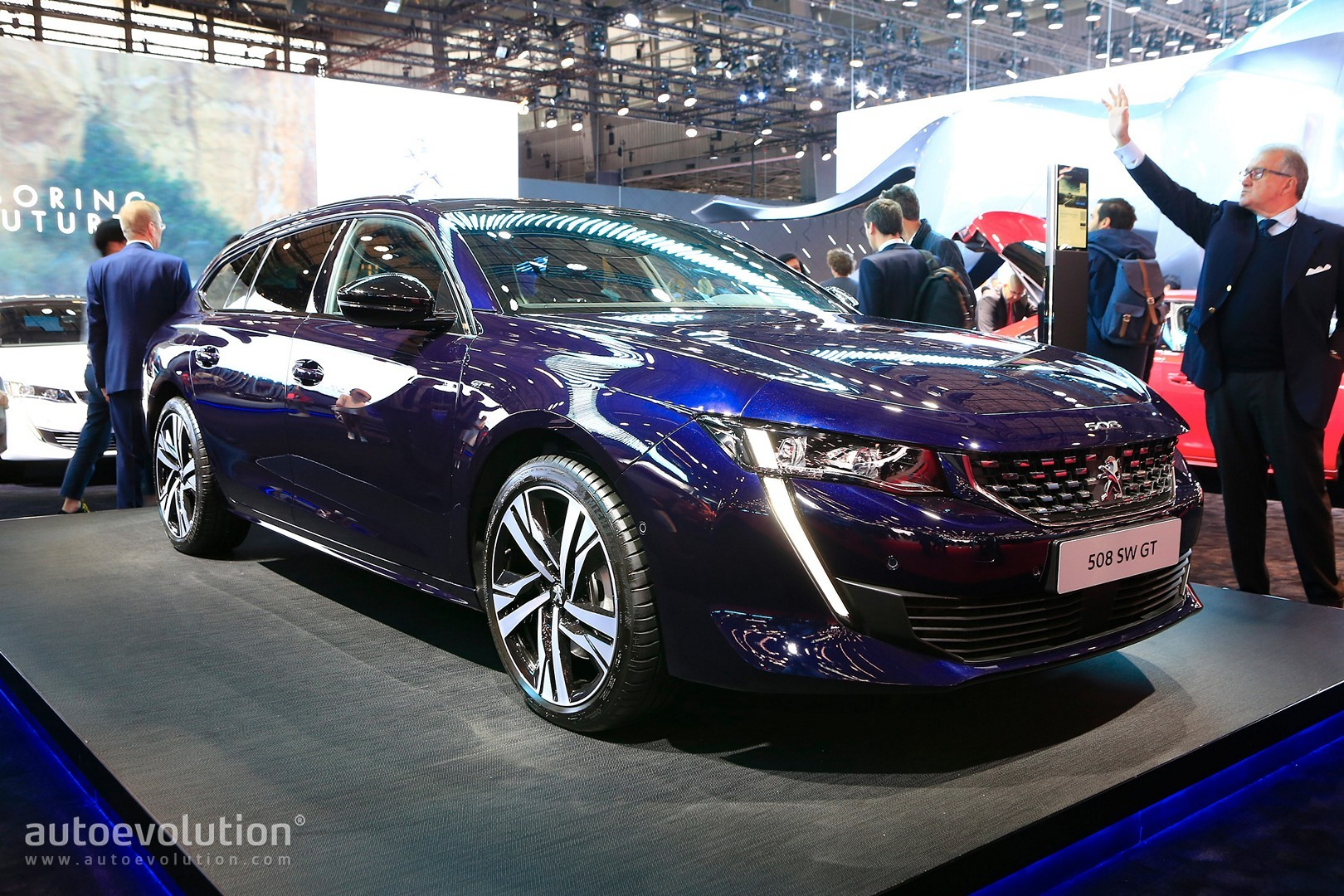 2019 Peugeot 508 Gt Is A 225 Hp Lightweight Wagon In Paris