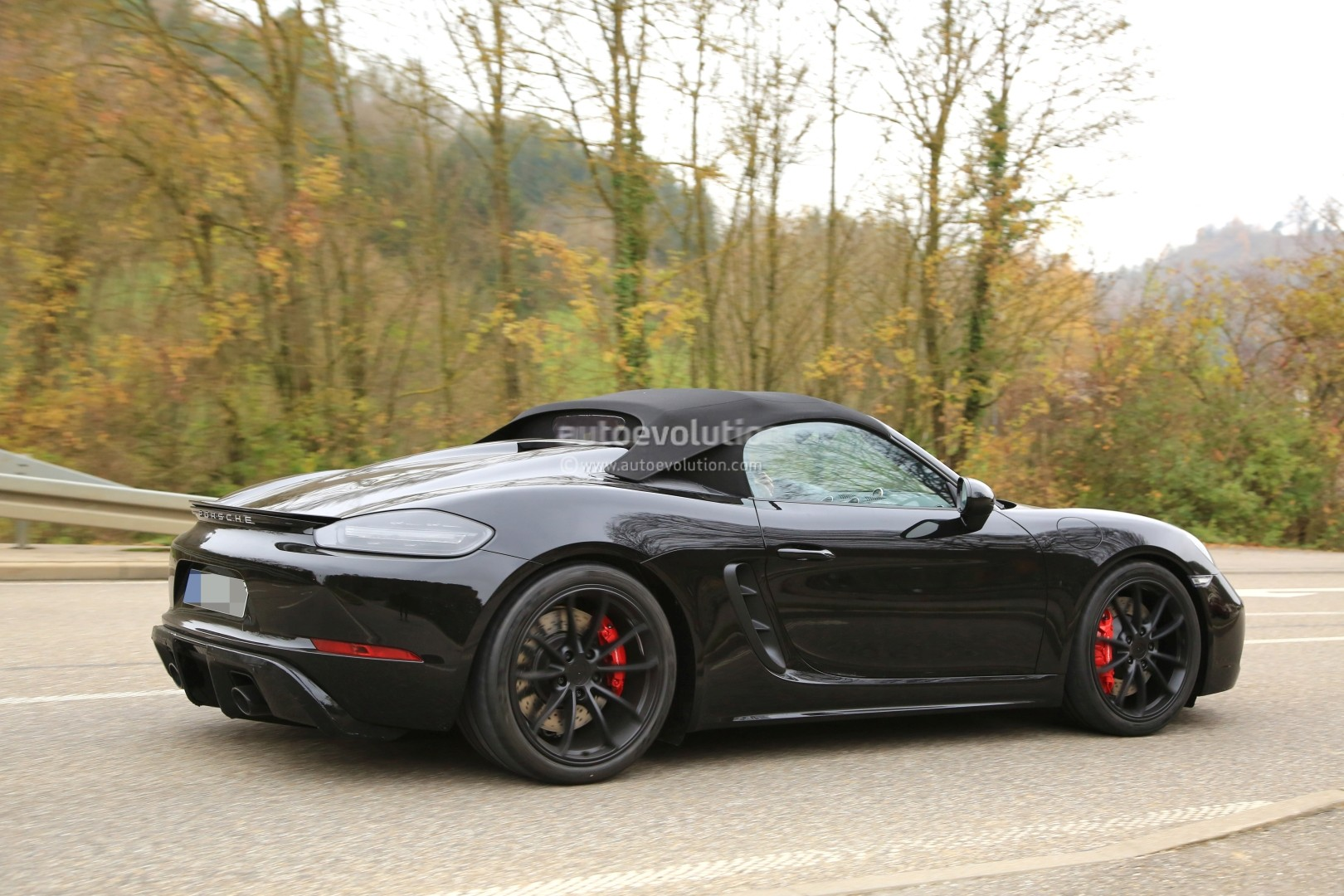 2019 Porsche 718 Boxster Spyder Makes Spyshot Debut With