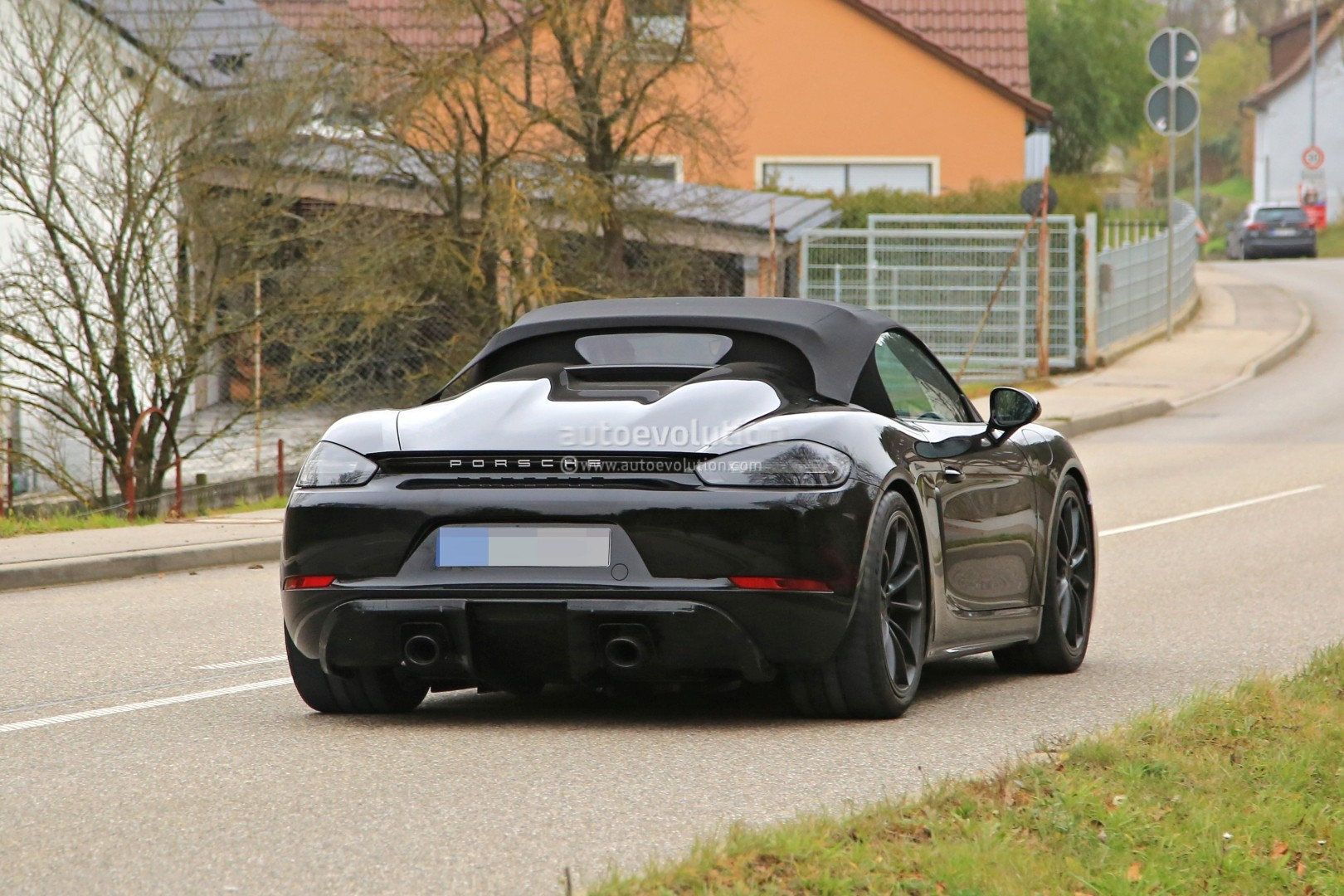 2019 Porsche 718 Boxster Spyder Makes Spyshot Debut with ...