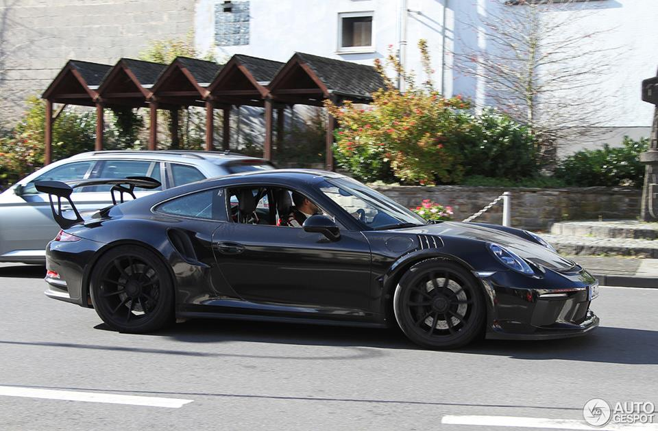 2019 porsche 911 gt3 rs shows up at nurburgring 4 2 liter engine rumors grow autoevolution. Black Bedroom Furniture Sets. Home Design Ideas