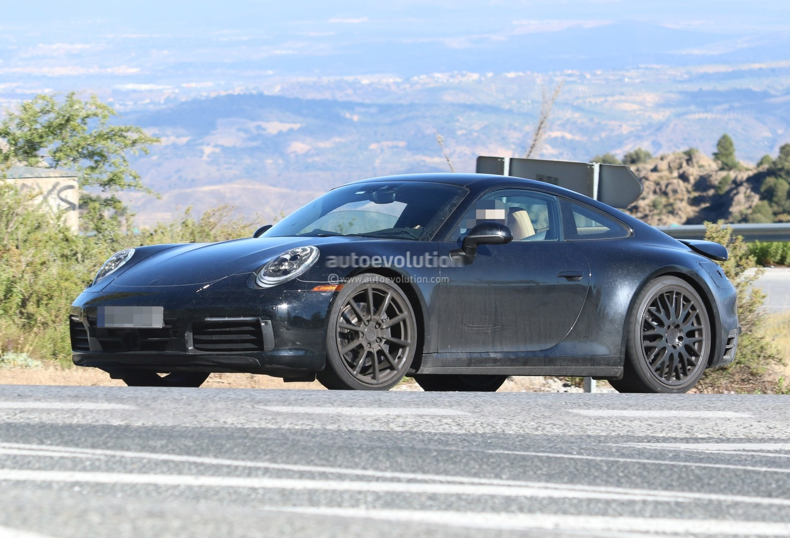 2019 porsche 911 prototype does snap oversteer in nurburgring pendulum drifting autoevolution. Black Bedroom Furniture Sets. Home Design Ideas