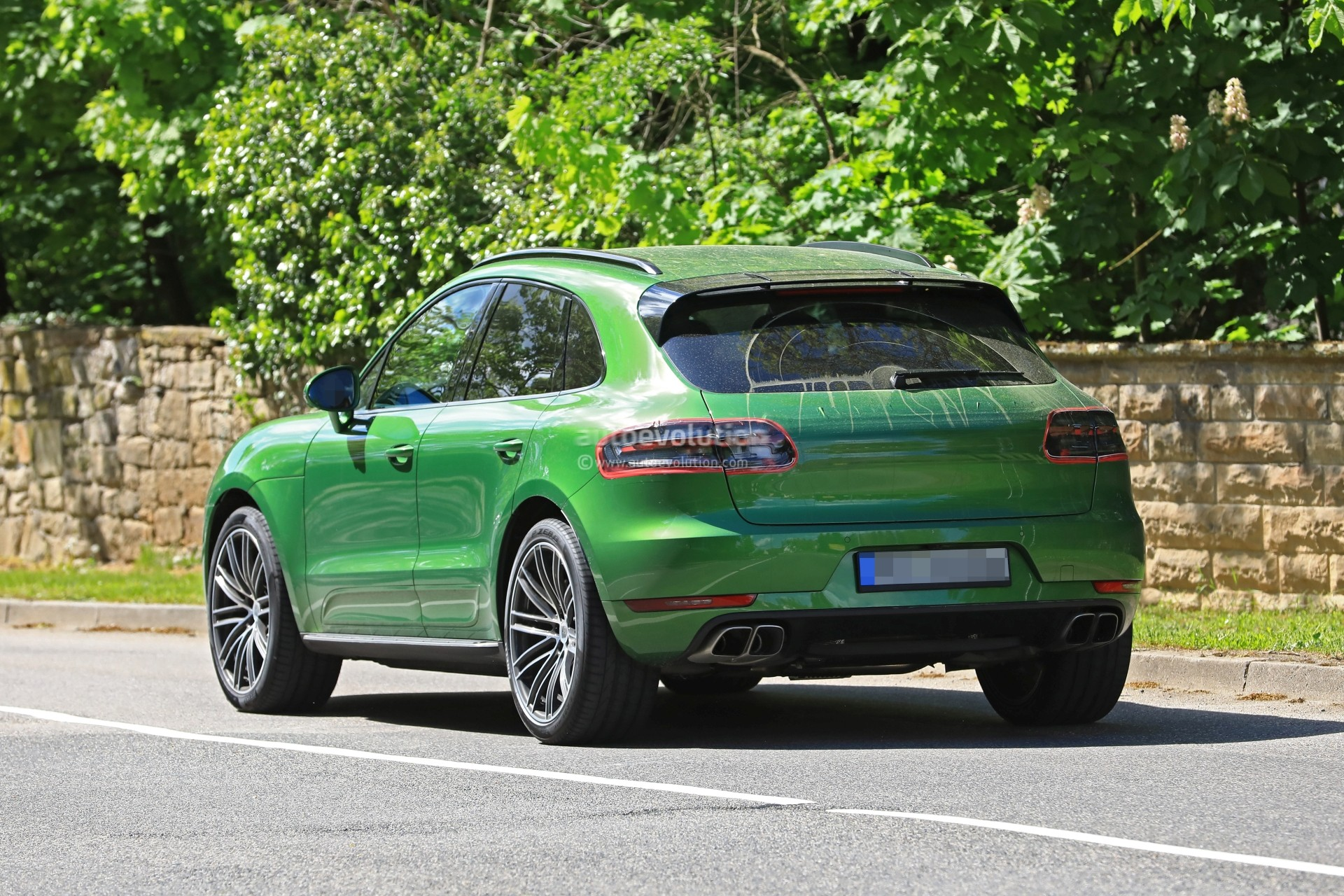 2019 Porsche Macan Facelift Ditches Diesel, Gasoline ...
