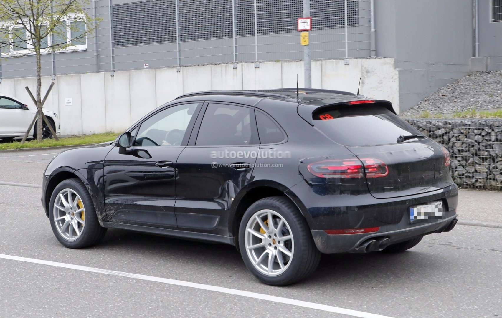 2019 Porsche Macan Facelift Getting Hotter But Porsche Denies Gt