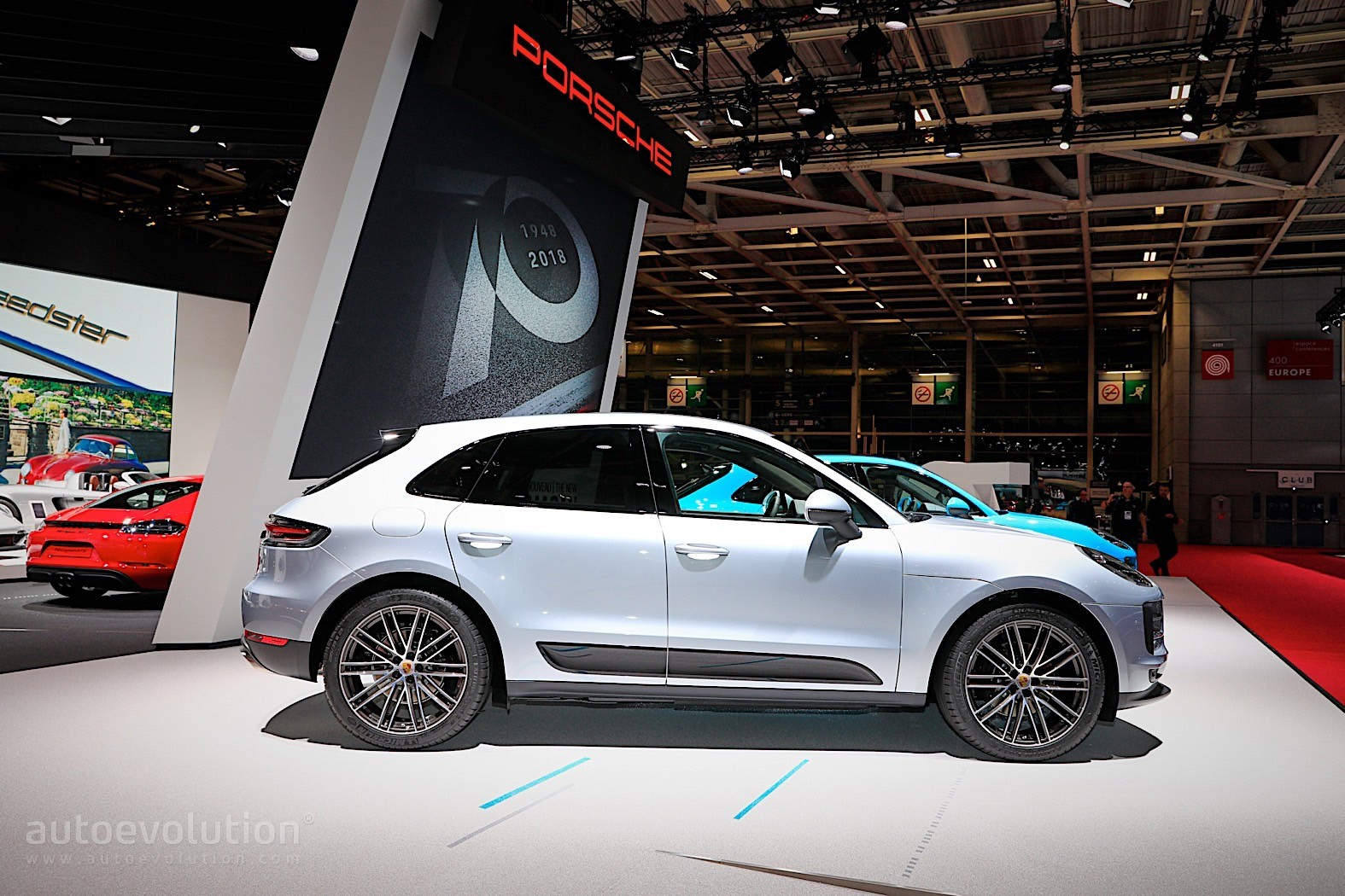 2019 Porsche Macan Facelift Lands In Paris With Bright New
