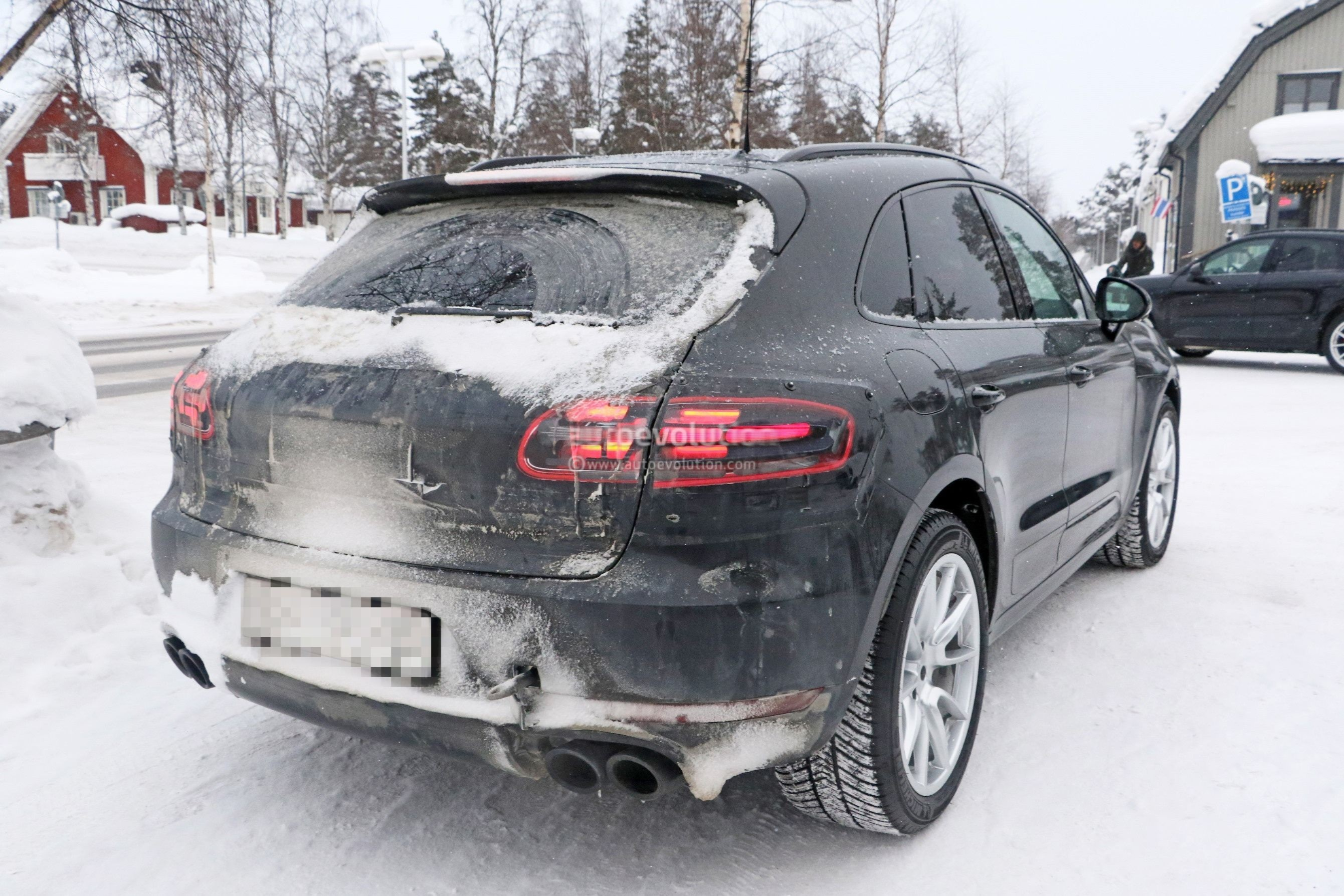 porsche diesels not going anywhere soon macan facelift to. Black Bedroom Furniture Sets. Home Design Ideas