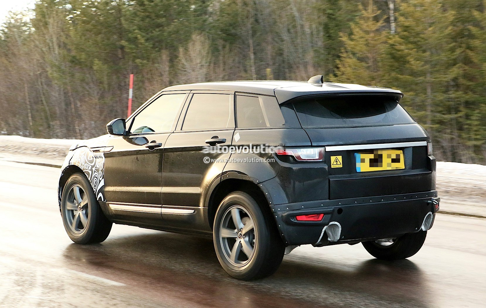 2019 range rover evoque phev to have fewest cylinders of. Black Bedroom Furniture Sets. Home Design Ideas