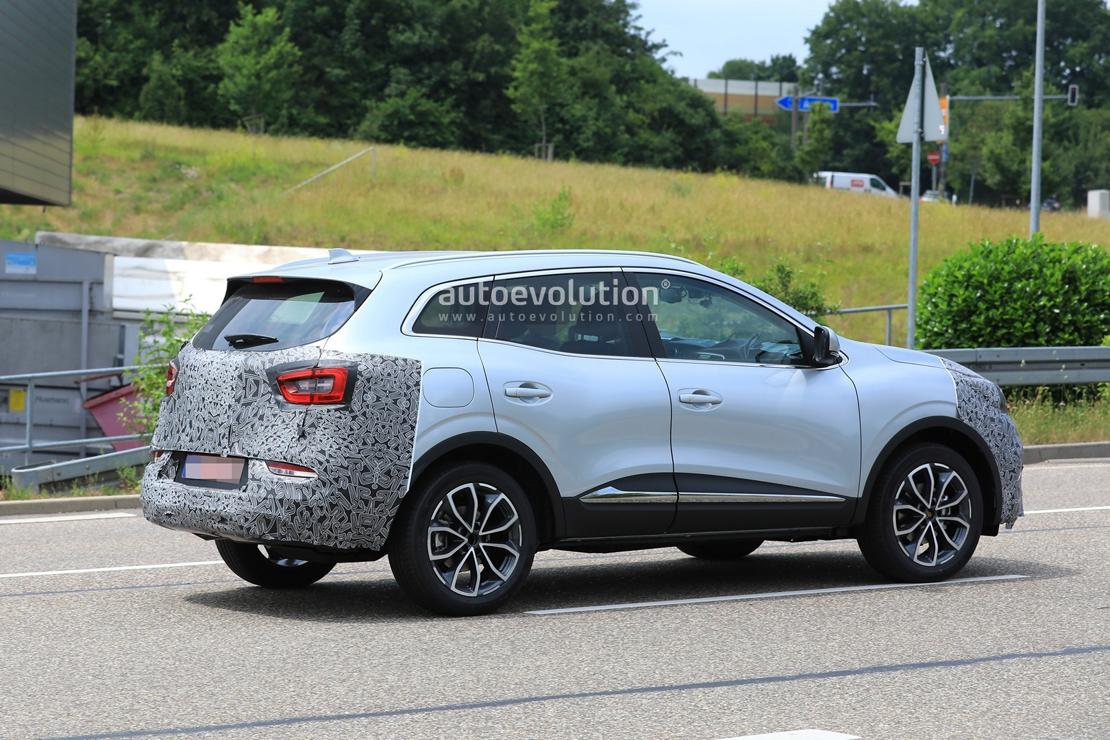 2019 Renault Kadjar Facelift Spied With New Front End ...