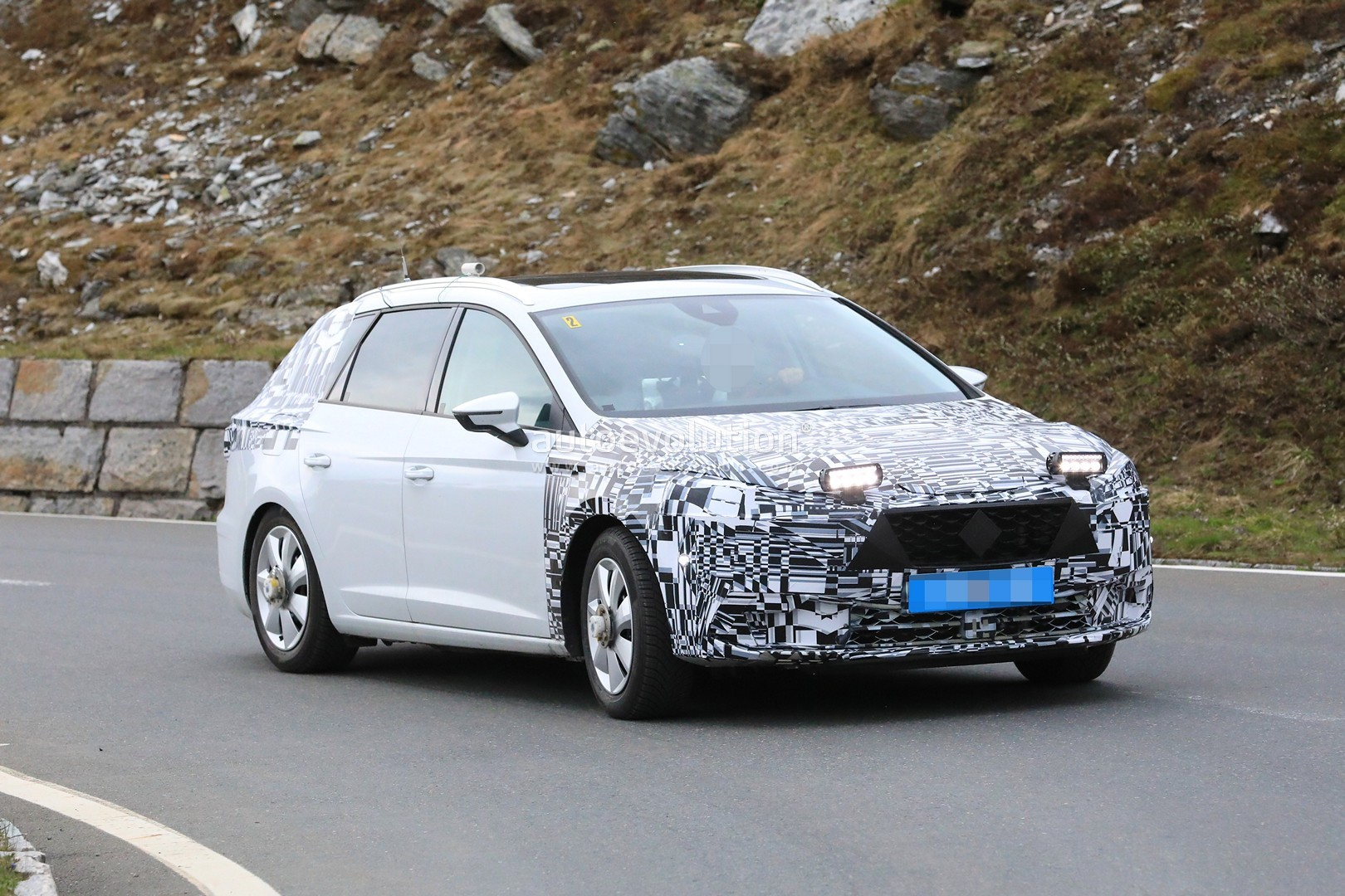 spyshots 2019 seat leon shows up for the first time has. Black Bedroom Furniture Sets. Home Design Ideas