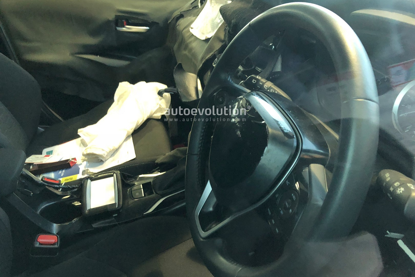 2019-toyota-auris-reveals-new-interior-and-angular-design-in-latest-spyshots_1.jpg