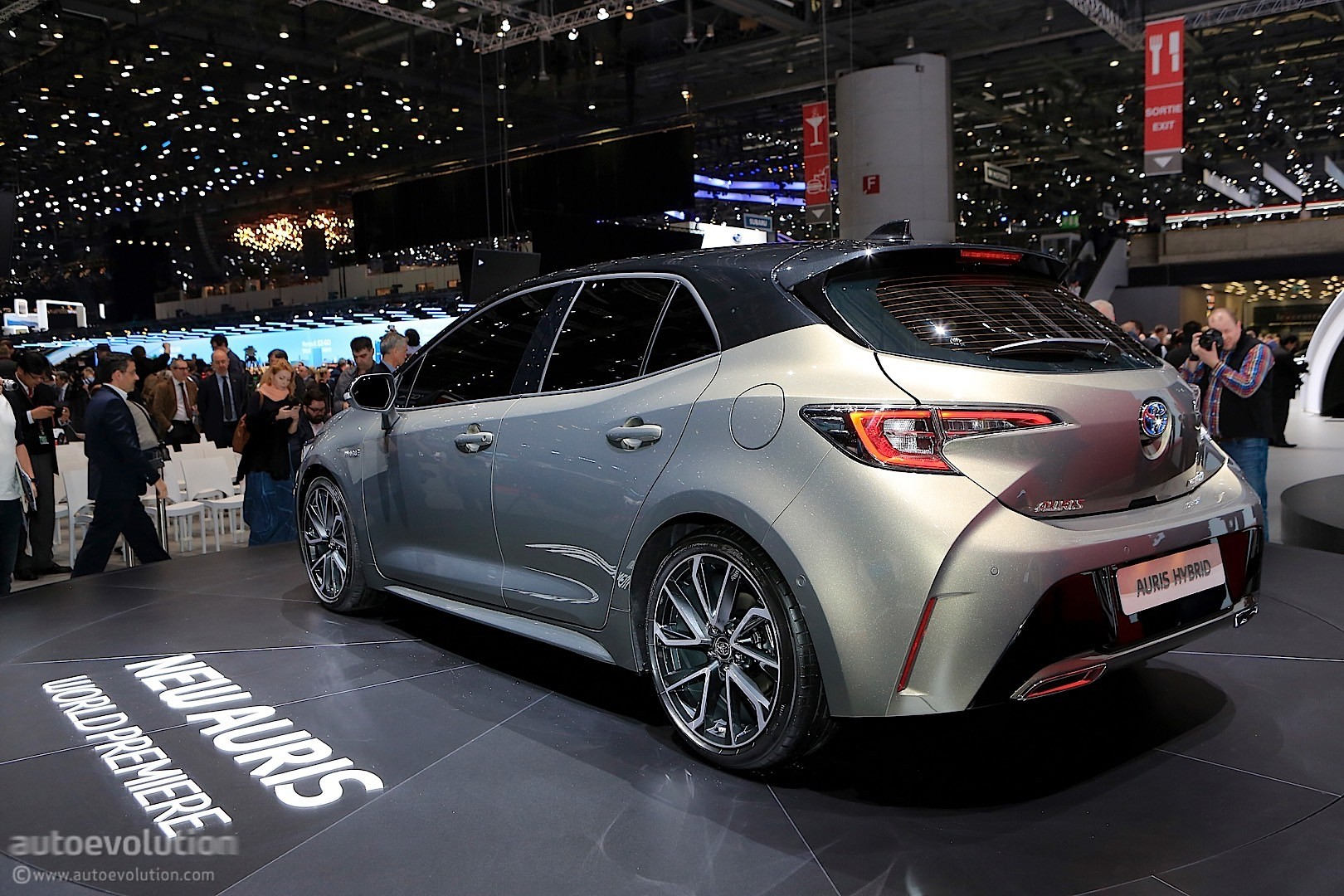2019 Toyota Auris Shows Up In Style In Geneva To Stir The Compact