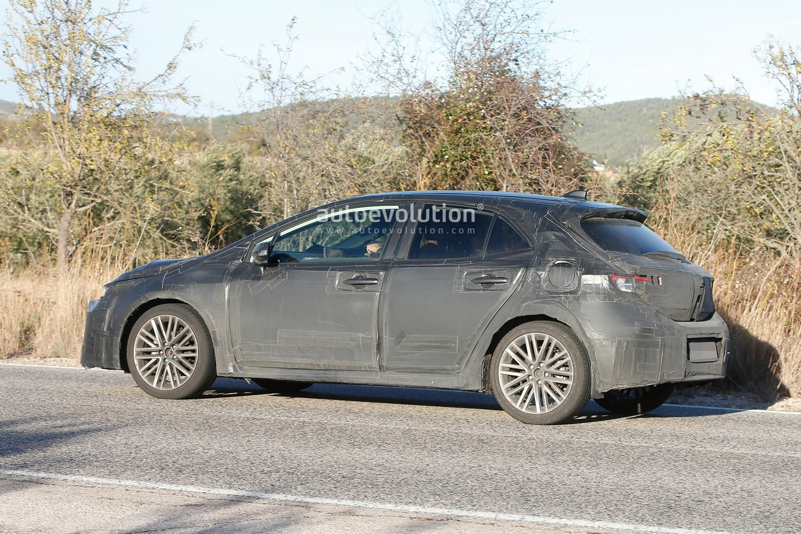 2019 Toyota Auris Spied With Production Body Autoevolution