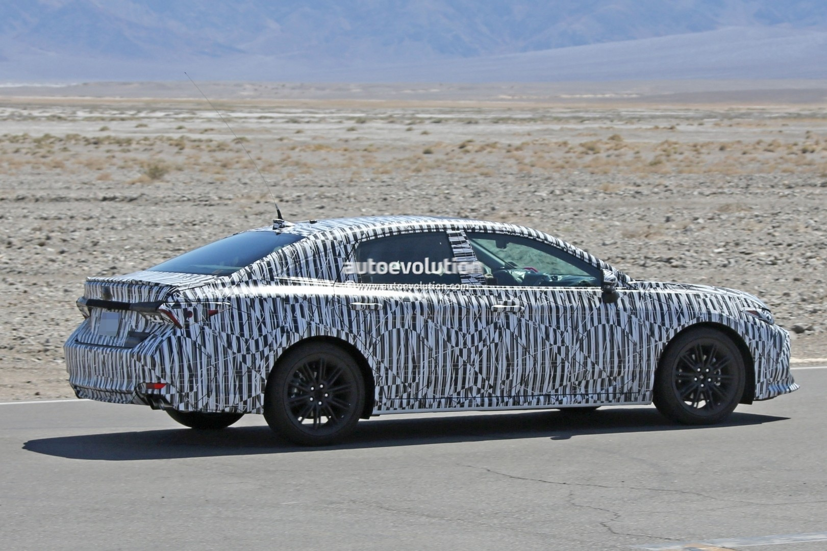 2018 toyota avalon spy pictures Cached