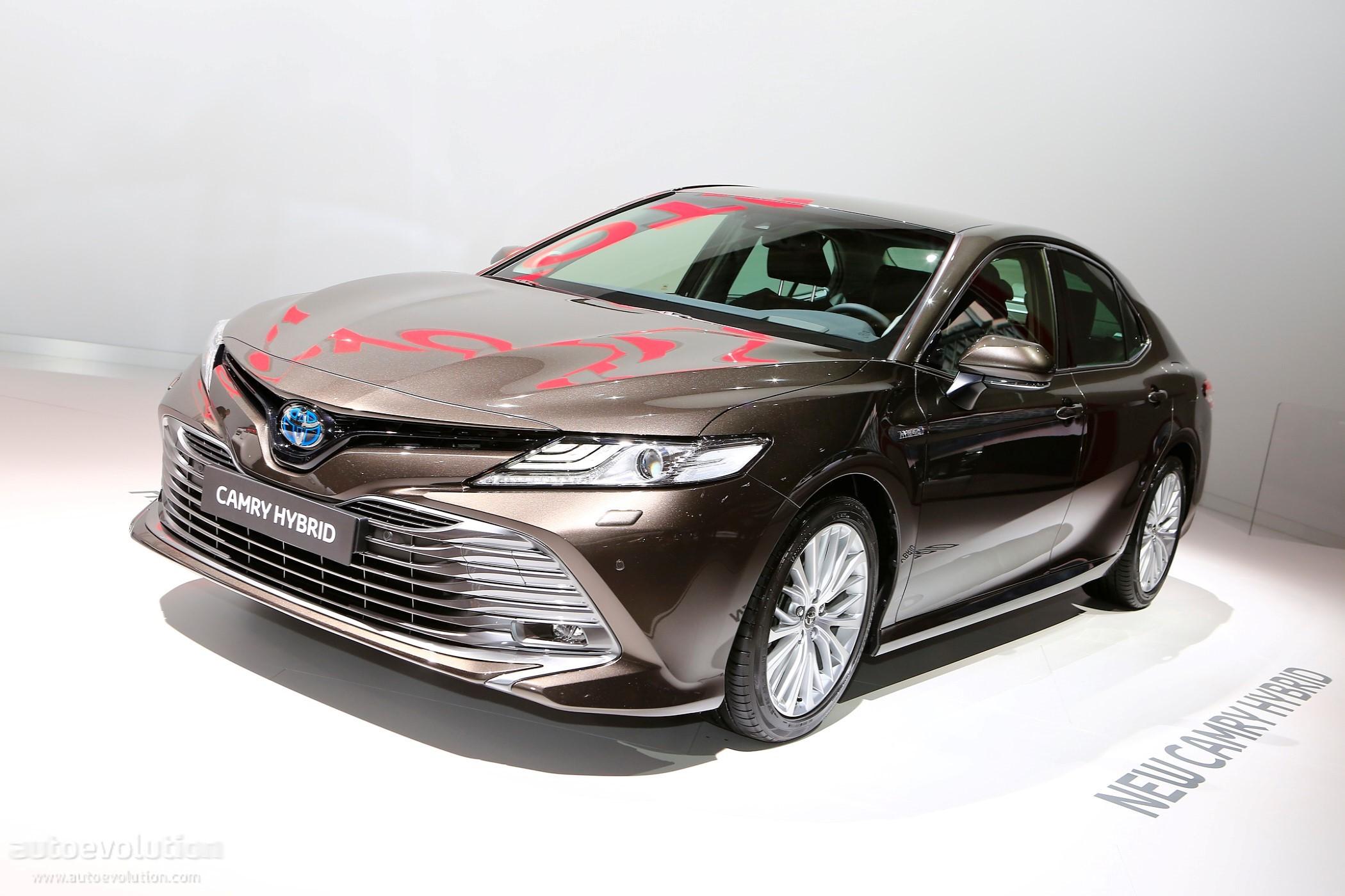2019 Toyota Camry Show...