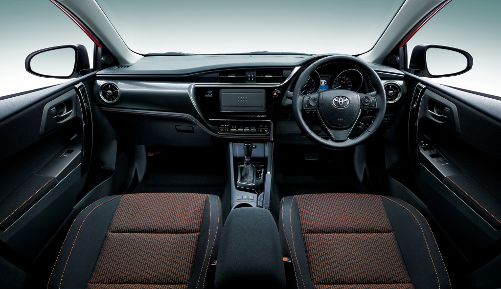 2019 toyota corolla sedan spied side mirrors stick out like shrek s ears autoevolution