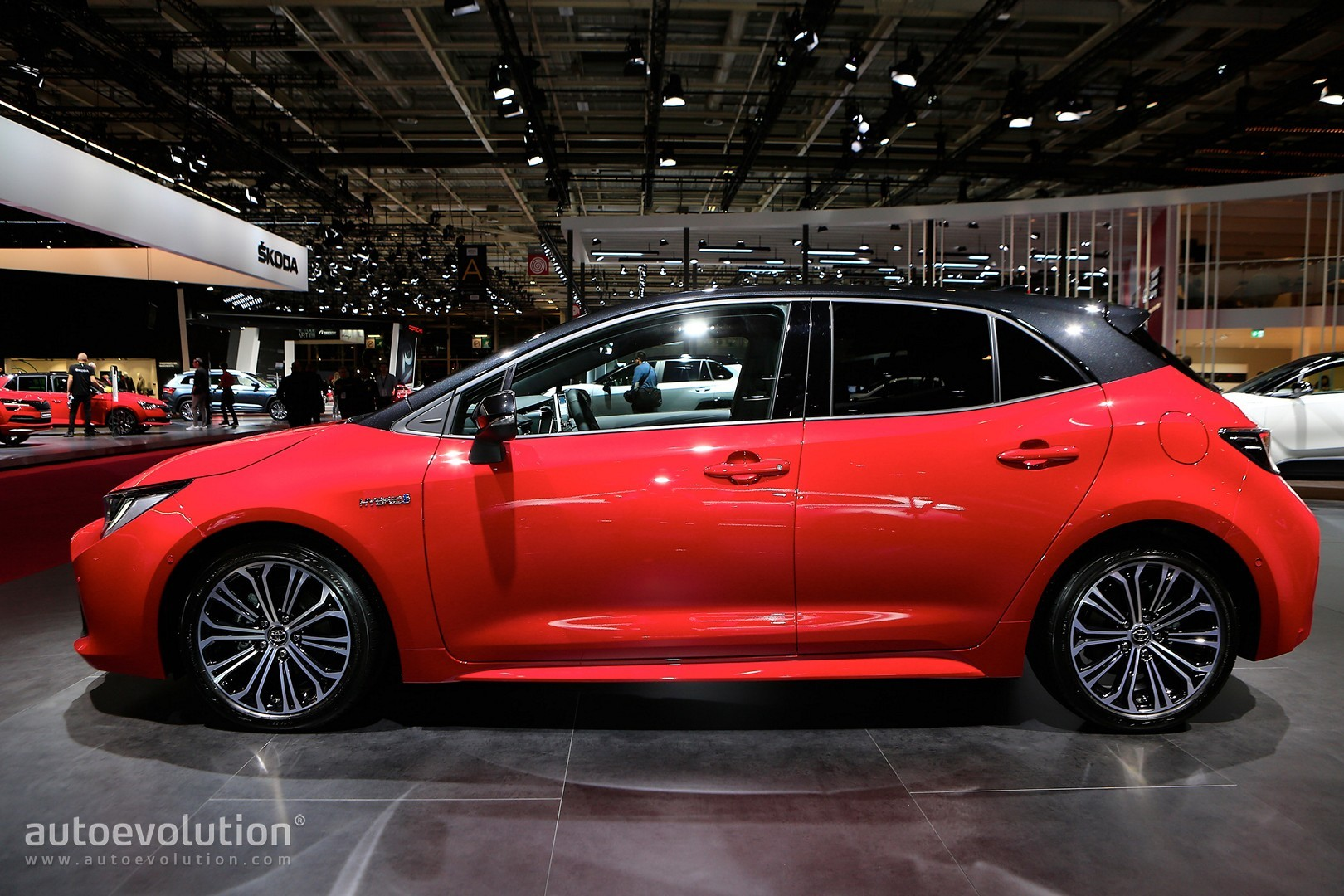 2019 Toyota Corolla Uk Pricing Announced Comes With 1 2l