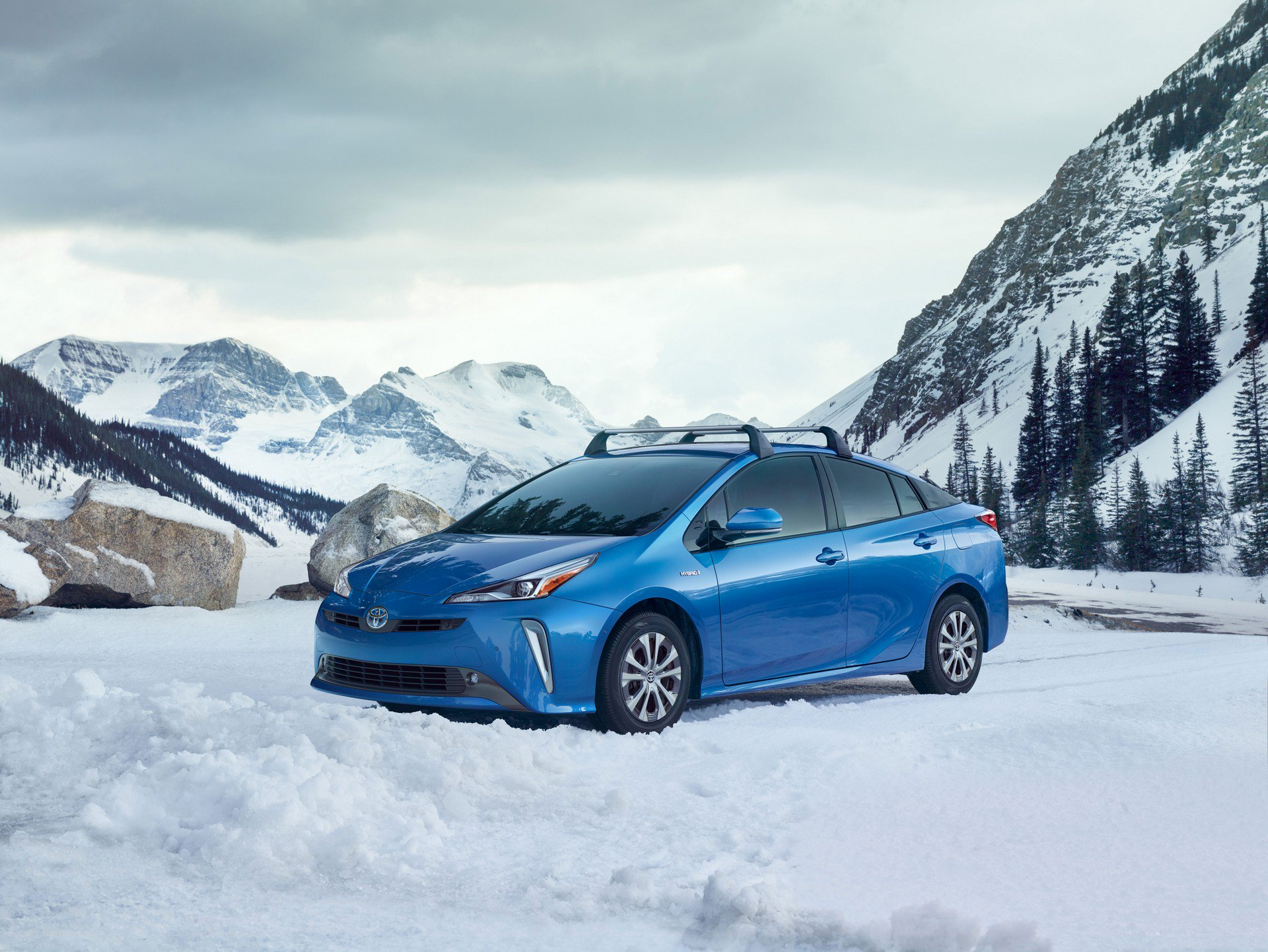 2019 Toyota Prius Debuts With Electric Awd And A New Face