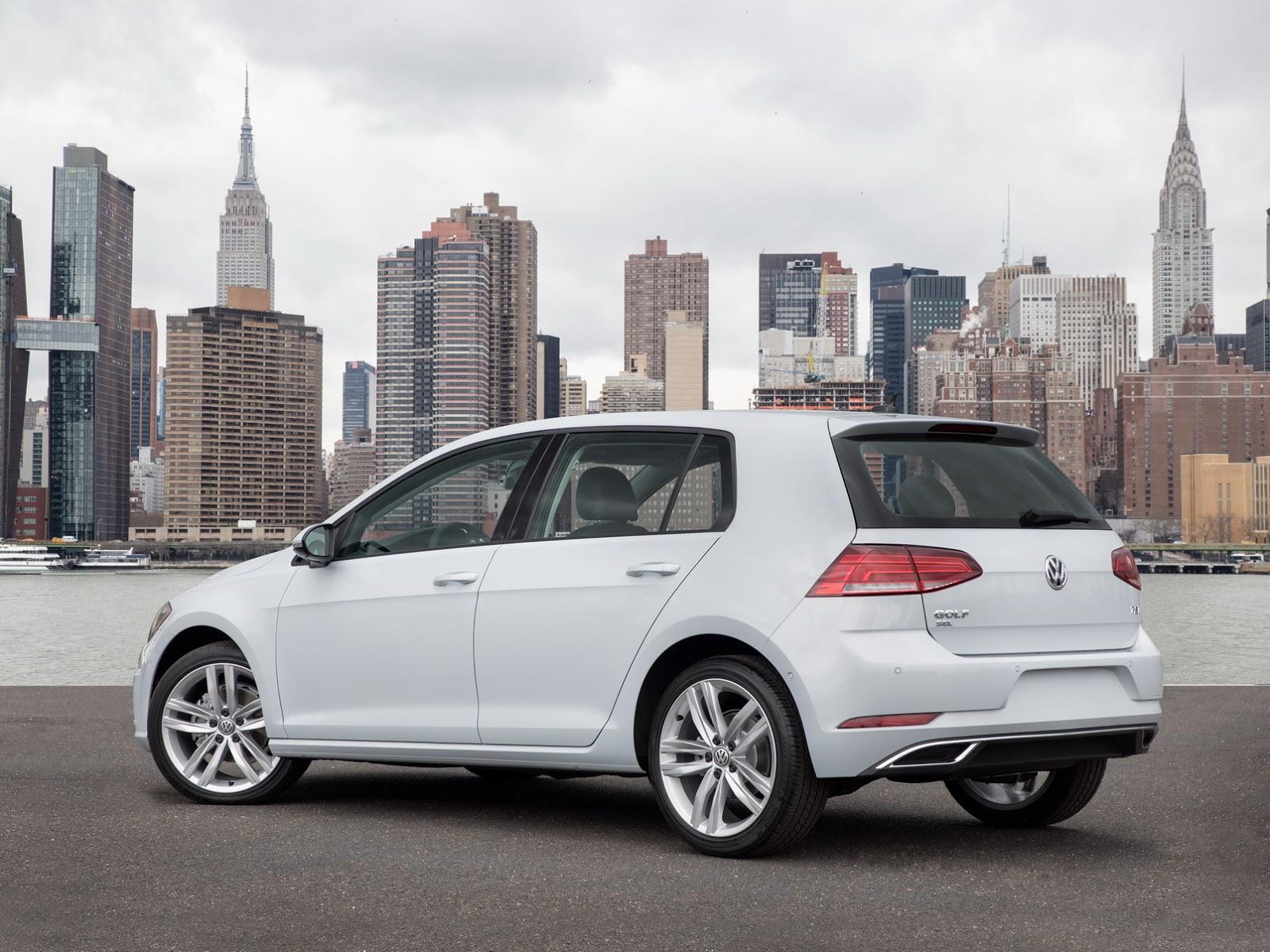 2019 VW Jetta vs. Golf Alltrack Includes Drag Race - autoevolution