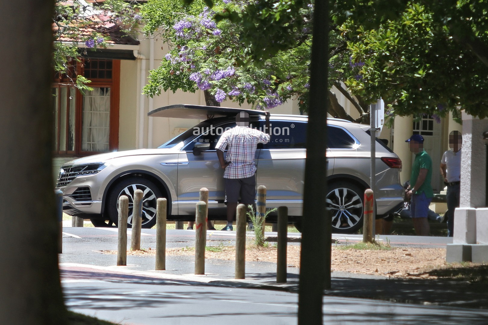 2019 Volkswagen Touareg Revealed in Full by Latest Spy Photos - autoevolution