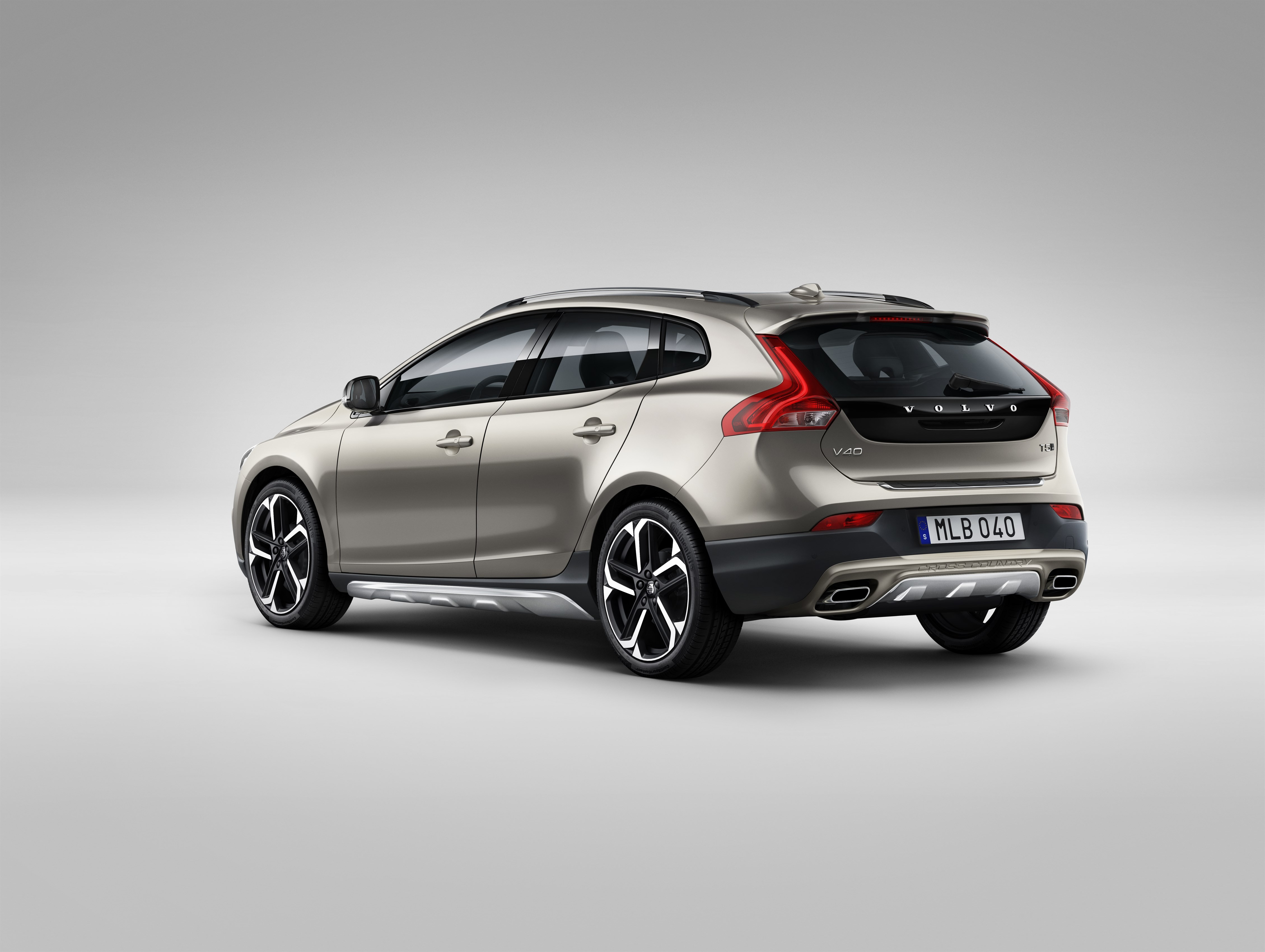Volvo to introduce performance division c30 polestar pcp for Exterior design elements