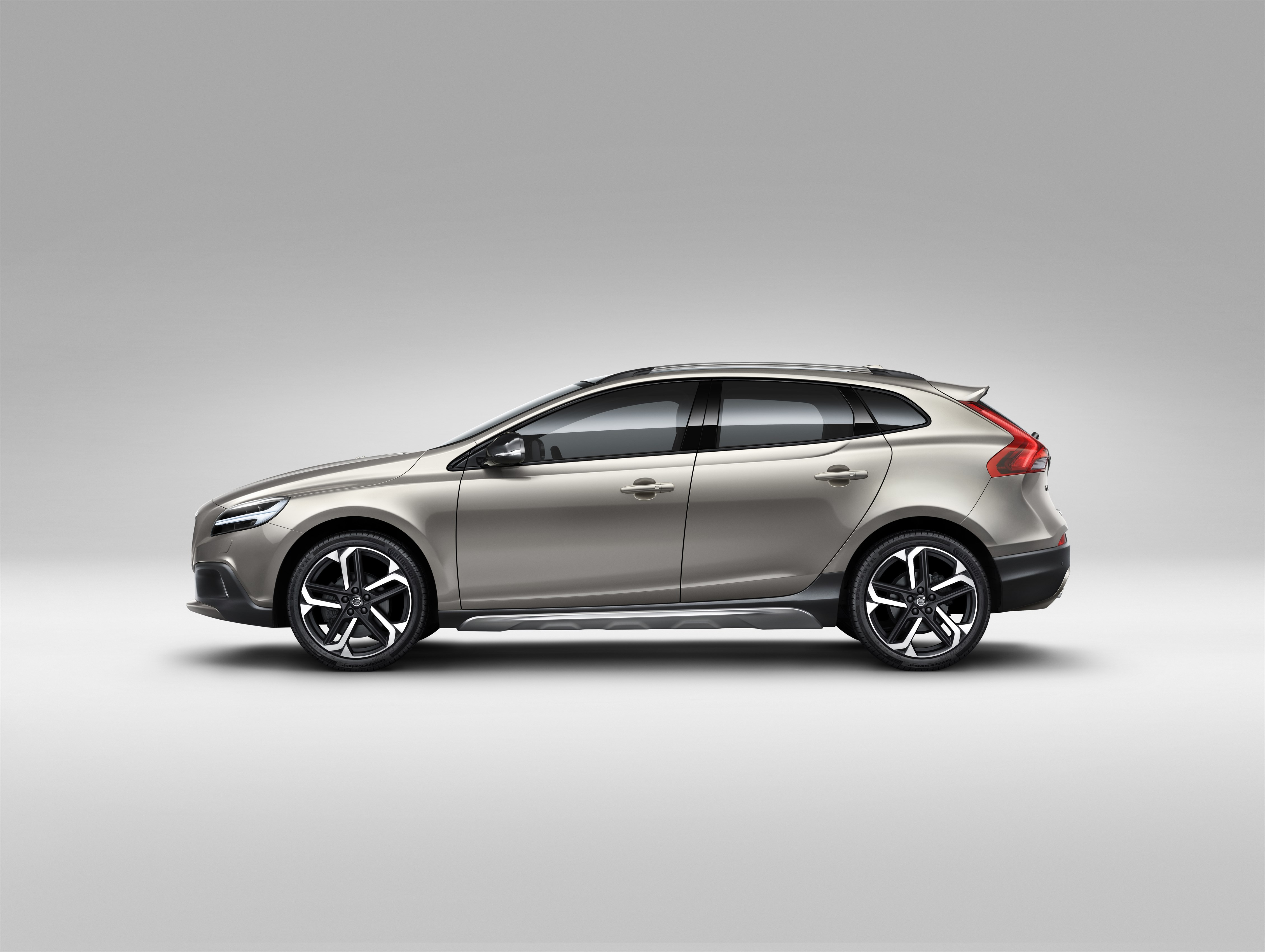 2019 Volvo V40 Says Cheese In New Renderings - autoevolution