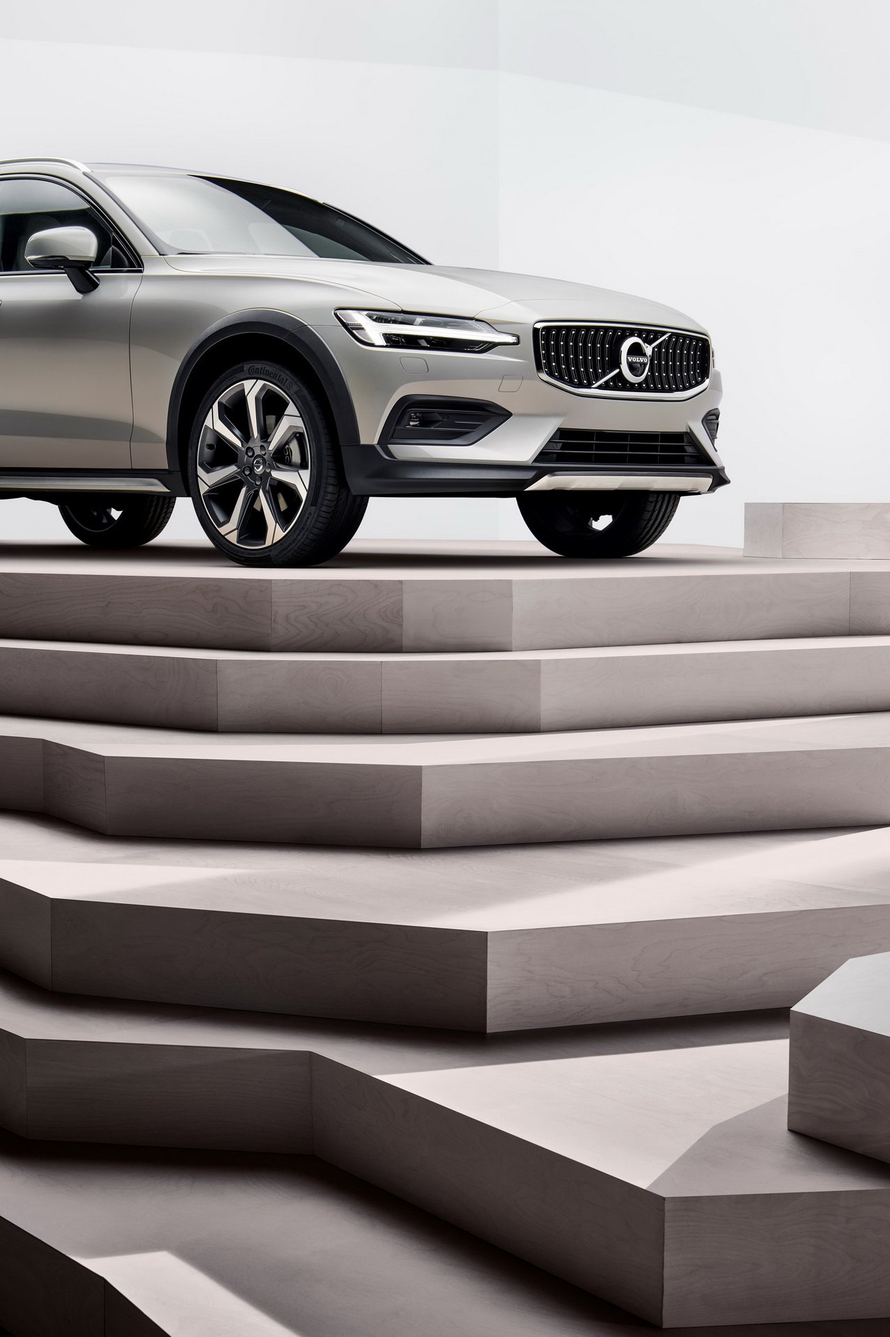 2019 Volvo V60 Cross Country Is Just Barely Rugged, But Still Very Cool - autoevolution
