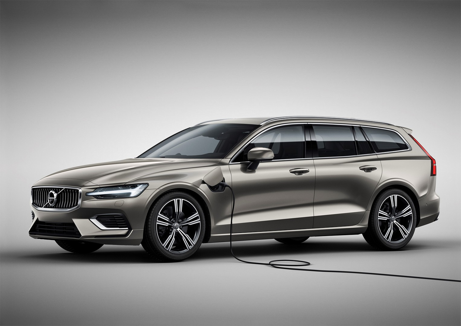 2019 Volvo V60 Officially Unveiled. Sexy Wagon Gets Two PHEV Engines - autoevolution