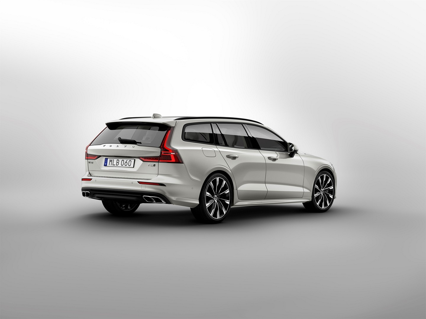 2019 volvo v60 officially unveiled sexy wagon gets two phev engines autoevolution. Black Bedroom Furniture Sets. Home Design Ideas