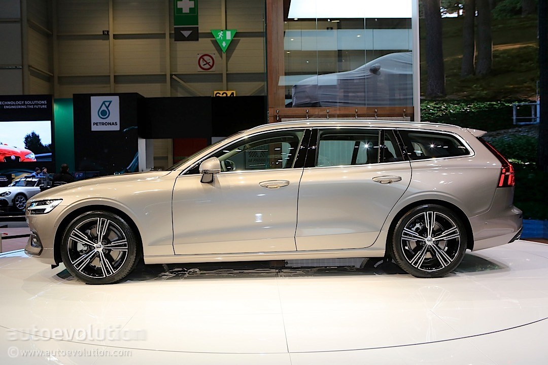 2019 volvo v60 steals the unofficial title of best looking wagon in geneva autoevolution. Black Bedroom Furniture Sets. Home Design Ideas