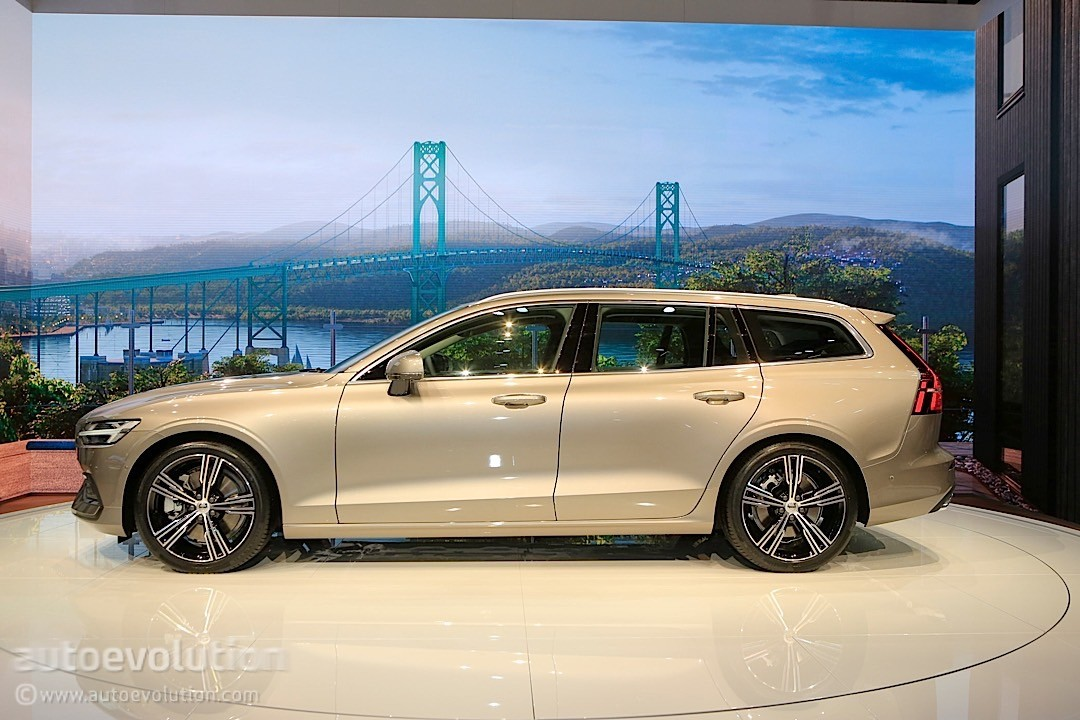 2019 Volvo V60 Steals the Unofficial Title of Best-Looking Wagon in Geneva - autoevolution