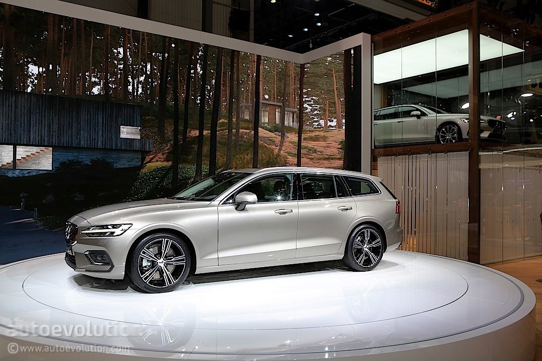 2019 Volvo V60 Steals the Unofficial Title of Best-Looking ...