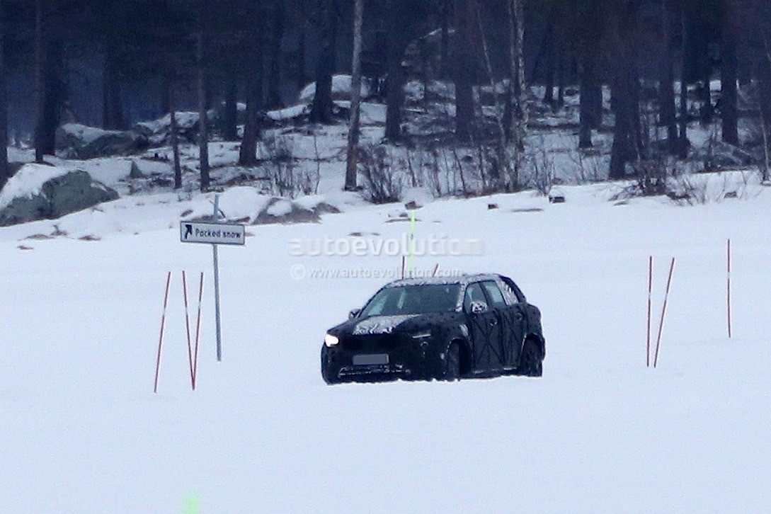 2019 Volvo XC40 Prototype Begins Winter Testing - autoevolution