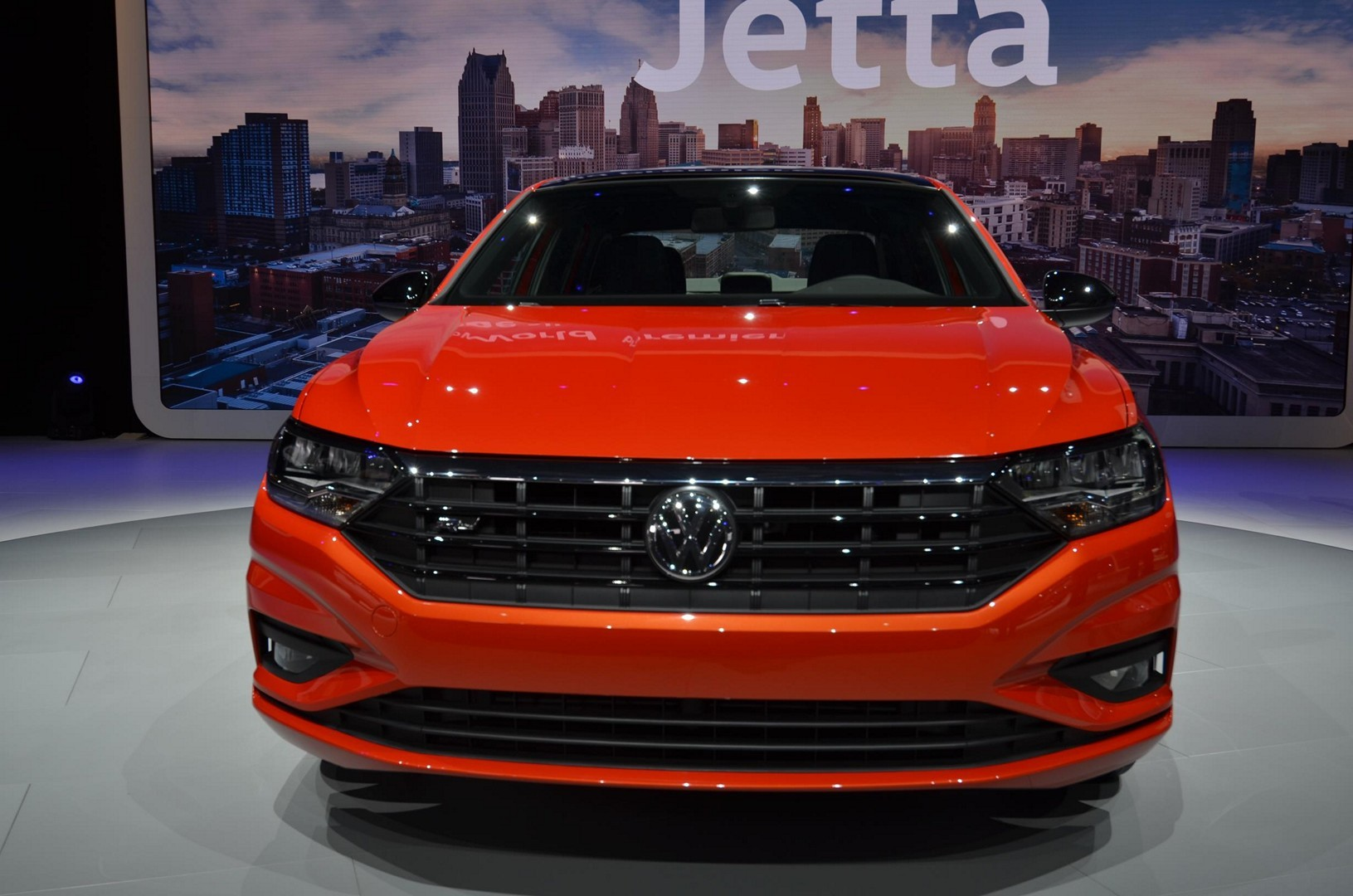 2019 VW Jetta Turns the Tables With Detroit Debut - autoevolution