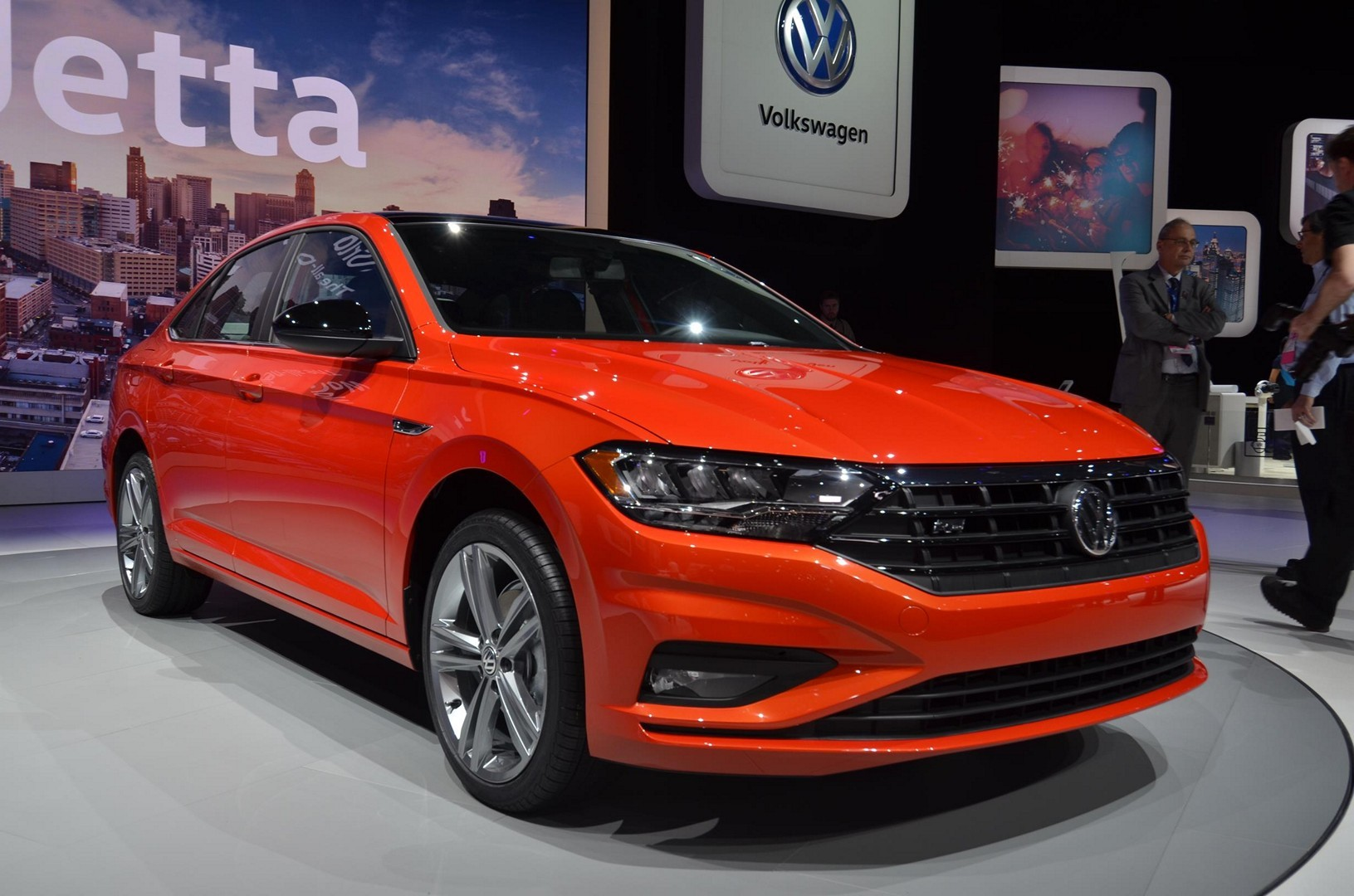 2019 vw jetta turns the tables with detroit debut autoevolution. Black Bedroom Furniture Sets. Home Design Ideas