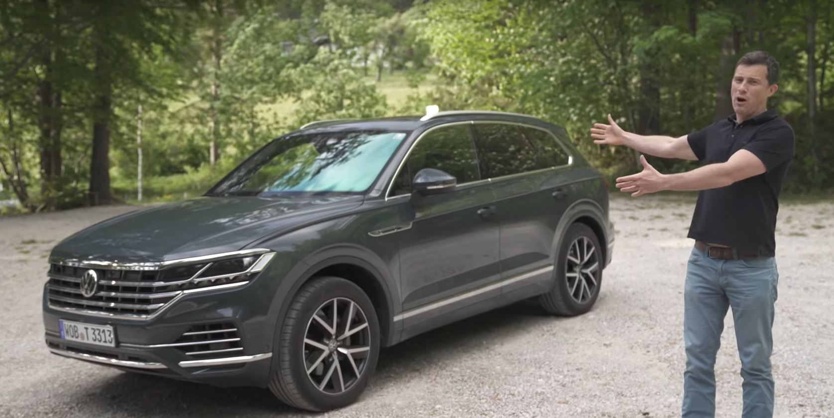 2019 vw touareg is a half price bentley bentayga that will. Black Bedroom Furniture Sets. Home Design Ideas