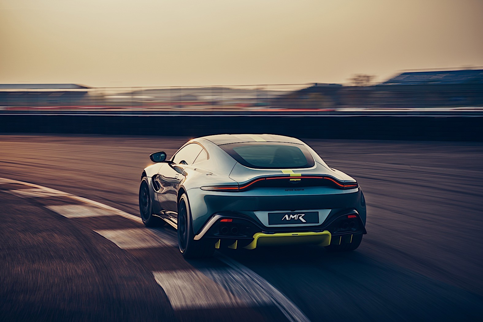 2020 Aston Martin Vantage AMR Gets Manual Transmission and ...