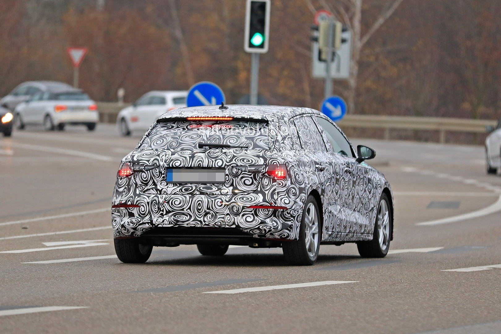 [Imagen: 2020-audi-a3-spied-in-detail-on-the-road...ion_12.jpg]