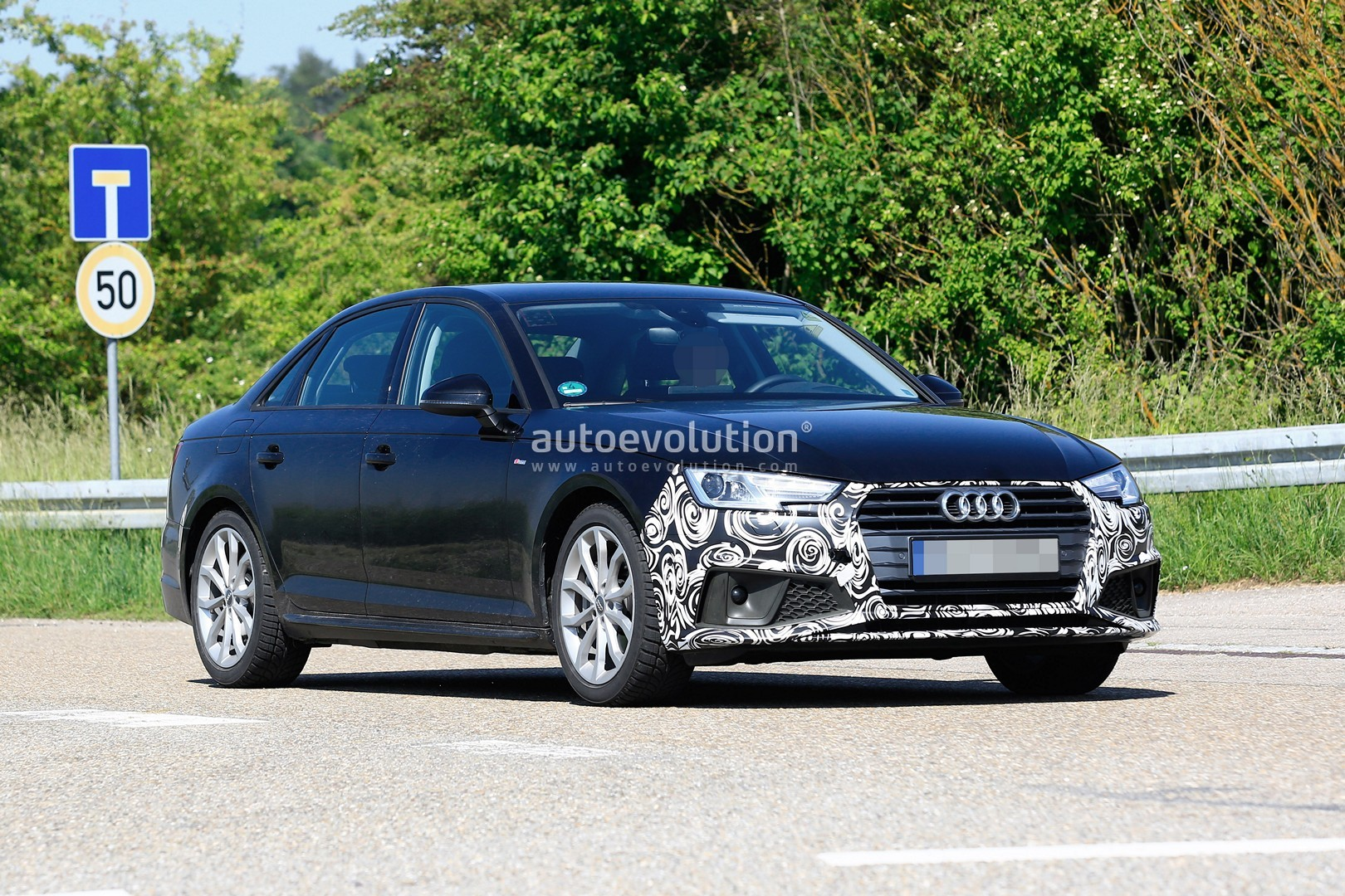 2020 Audi A4 Facelift New Spyshots Show All The Details Autoevolution