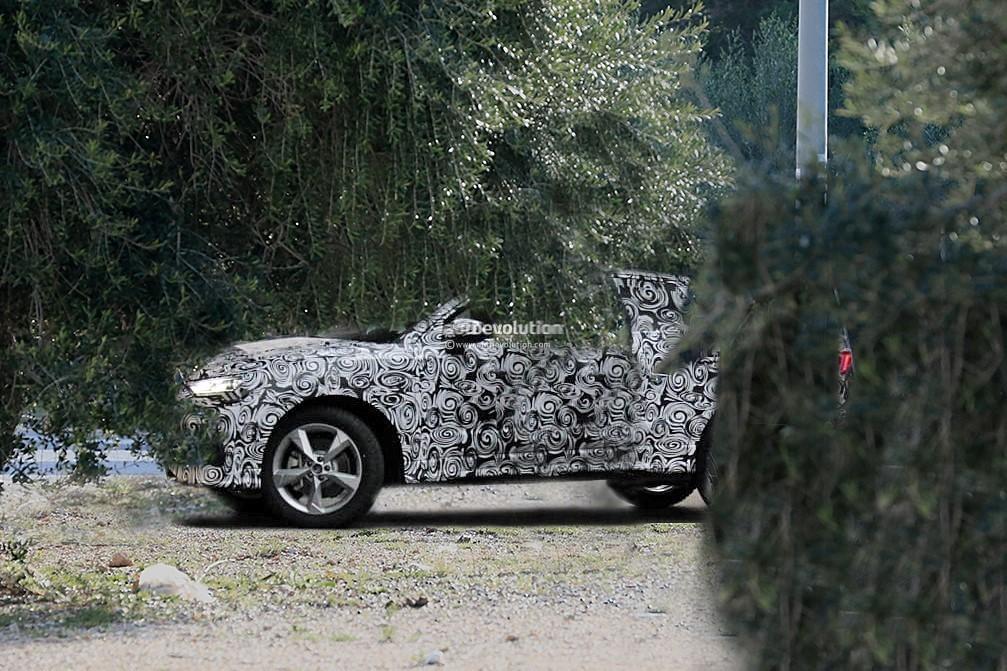 2019 - [Audi] Q3 Sportback - Page 2 2020-audi-q4-spied-camouflage-hides-q8-design-influences_2