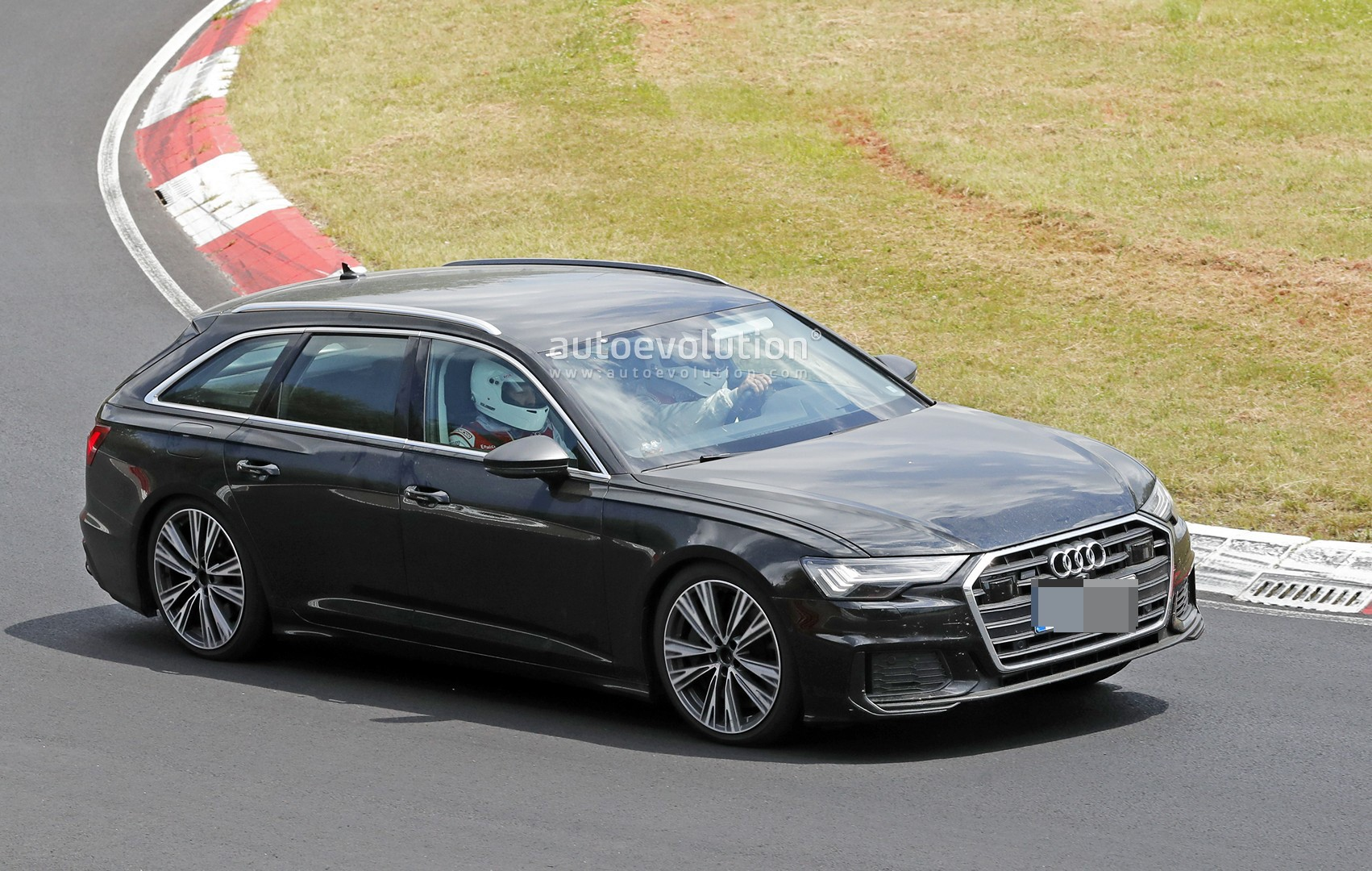 2020 audi s6 avant leans hard into corners at the. Black Bedroom Furniture Sets. Home Design Ideas