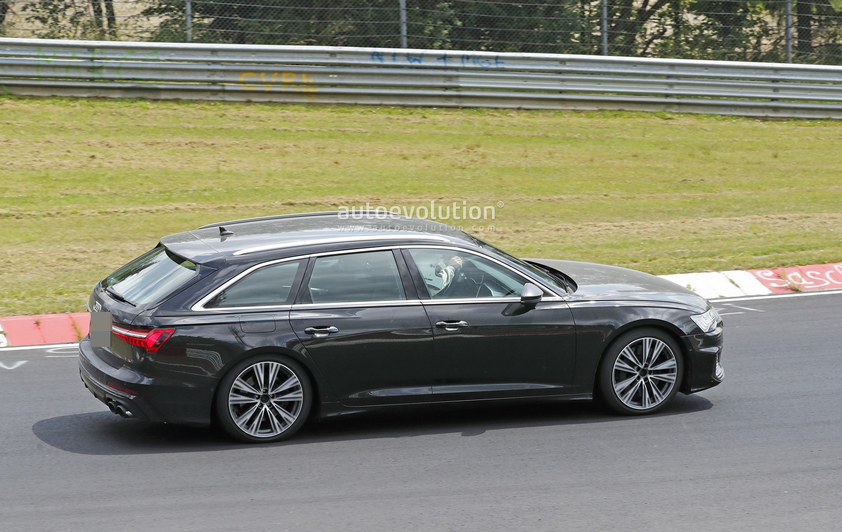 2020 Audi S6 Avant Leans Hard into Corners at the Nurburgring - autoevolution