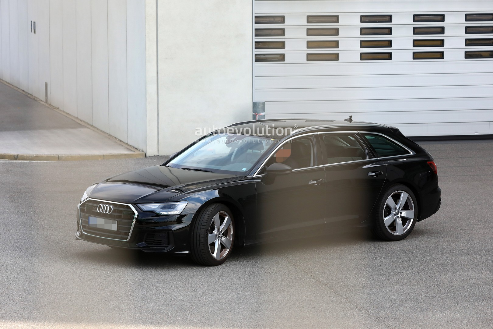 2017 - [Audi] A6 Berline & Avant [C8] - Page 10 2020-audi-s6-avant-spied-with-no-camo-looks-very-understated_4