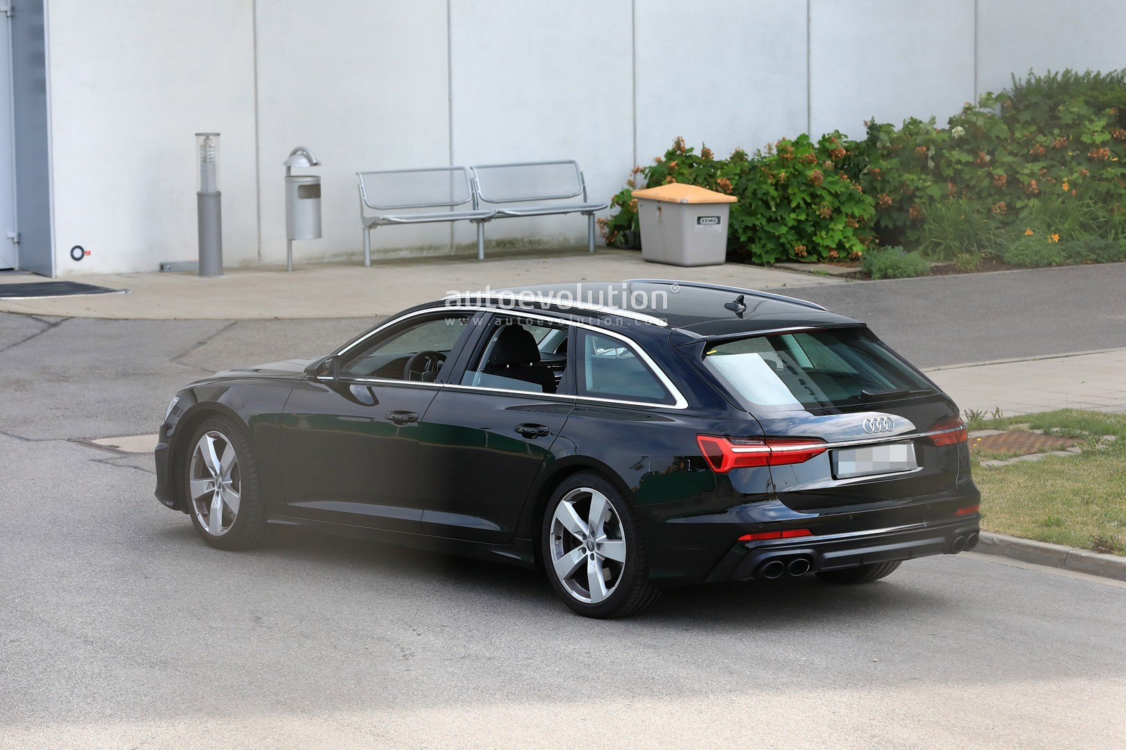 2017 - [Audi] A6 Berline & Avant [C8] - Page 10 2020-audi-s6-avant-spied-with-no-camo-looks-very-understated_9