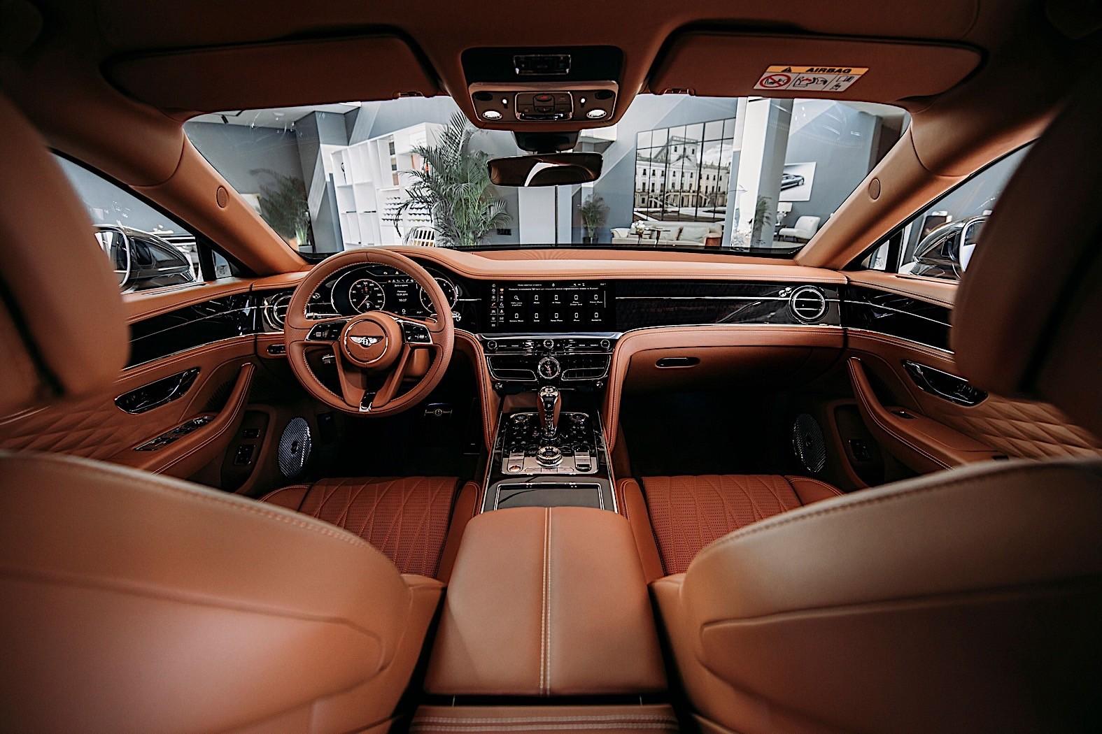 Bentley Flying Spur (2019) 35